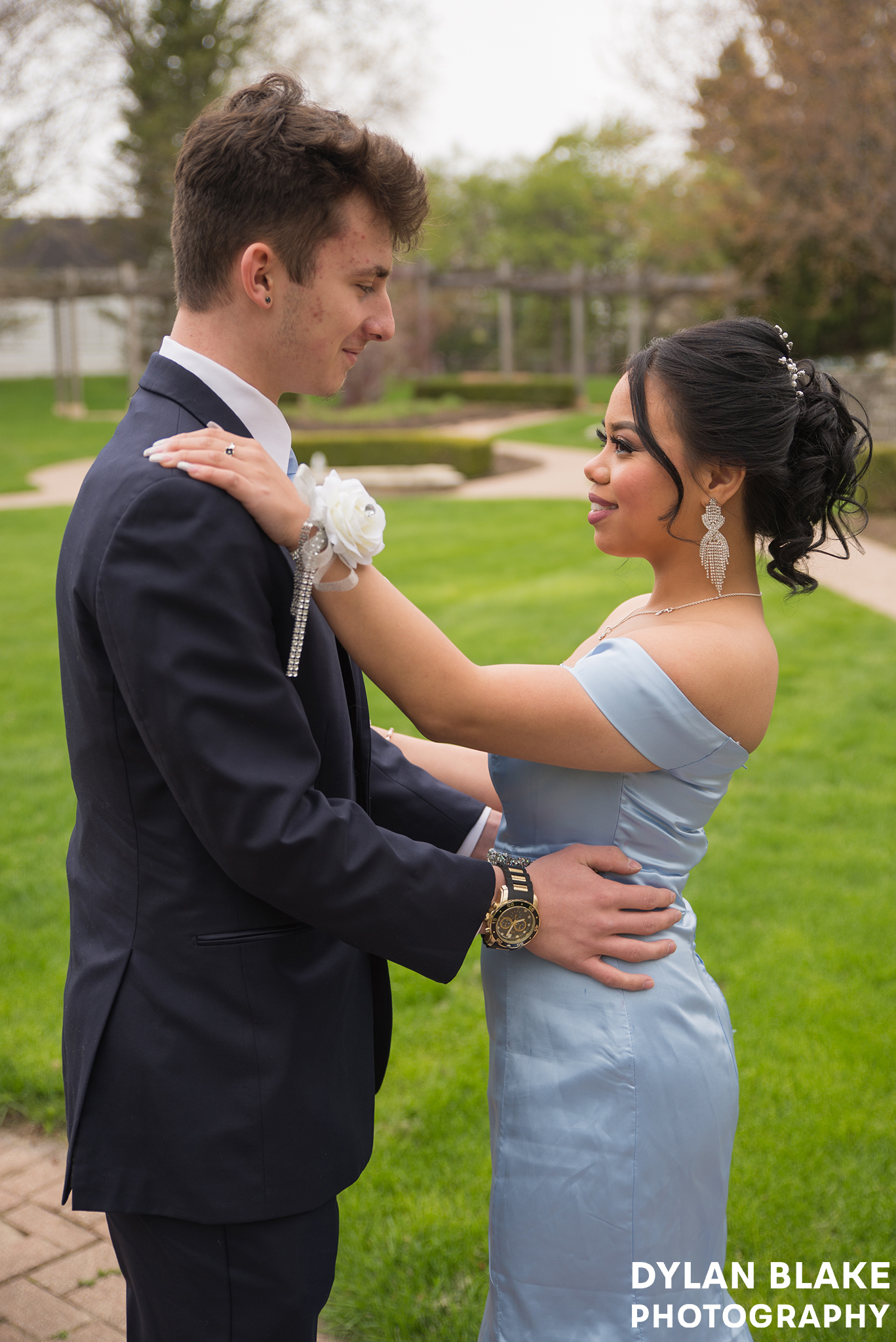 eliza-and-nico-prom-bowen03.jpg