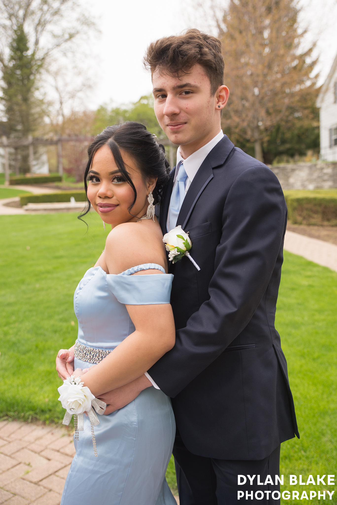 eliza-and-nico-prom-bowen05.jpg