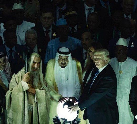 """""""Saruman'ı Trump'ın resmine photoshopladım ve garip durmadı bile"""" @shakakshapira"""