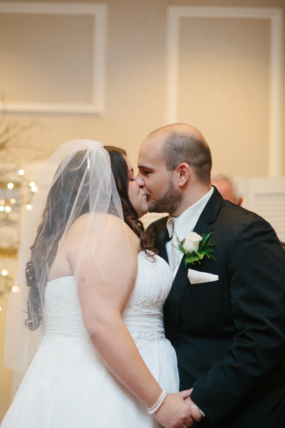 The first kiss as a married couple!