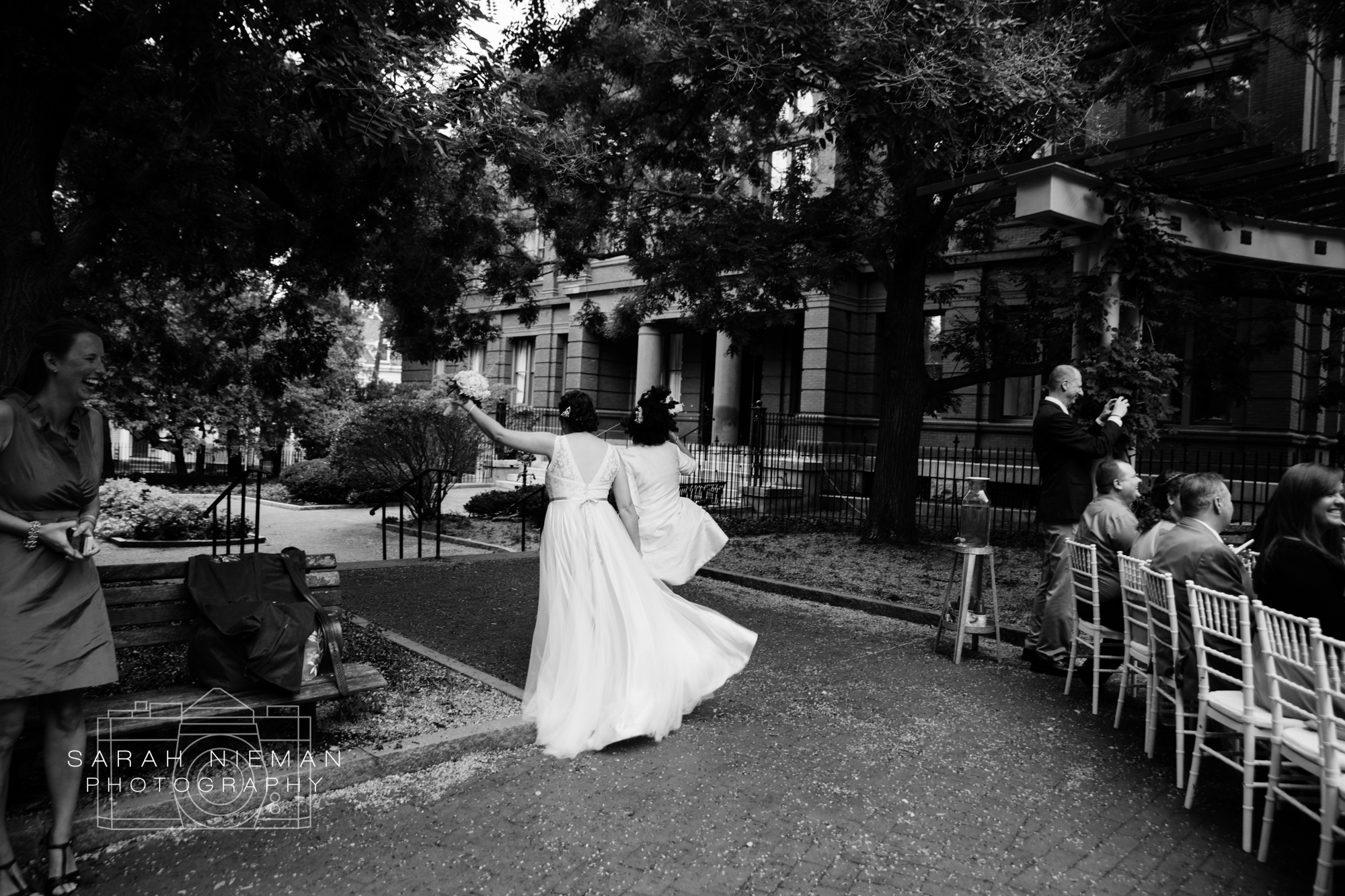 After they excited the ceremony, they ran away, jumping and shouting for joy and I don't think I've ever laughed that much at the end of a ceremony ever.