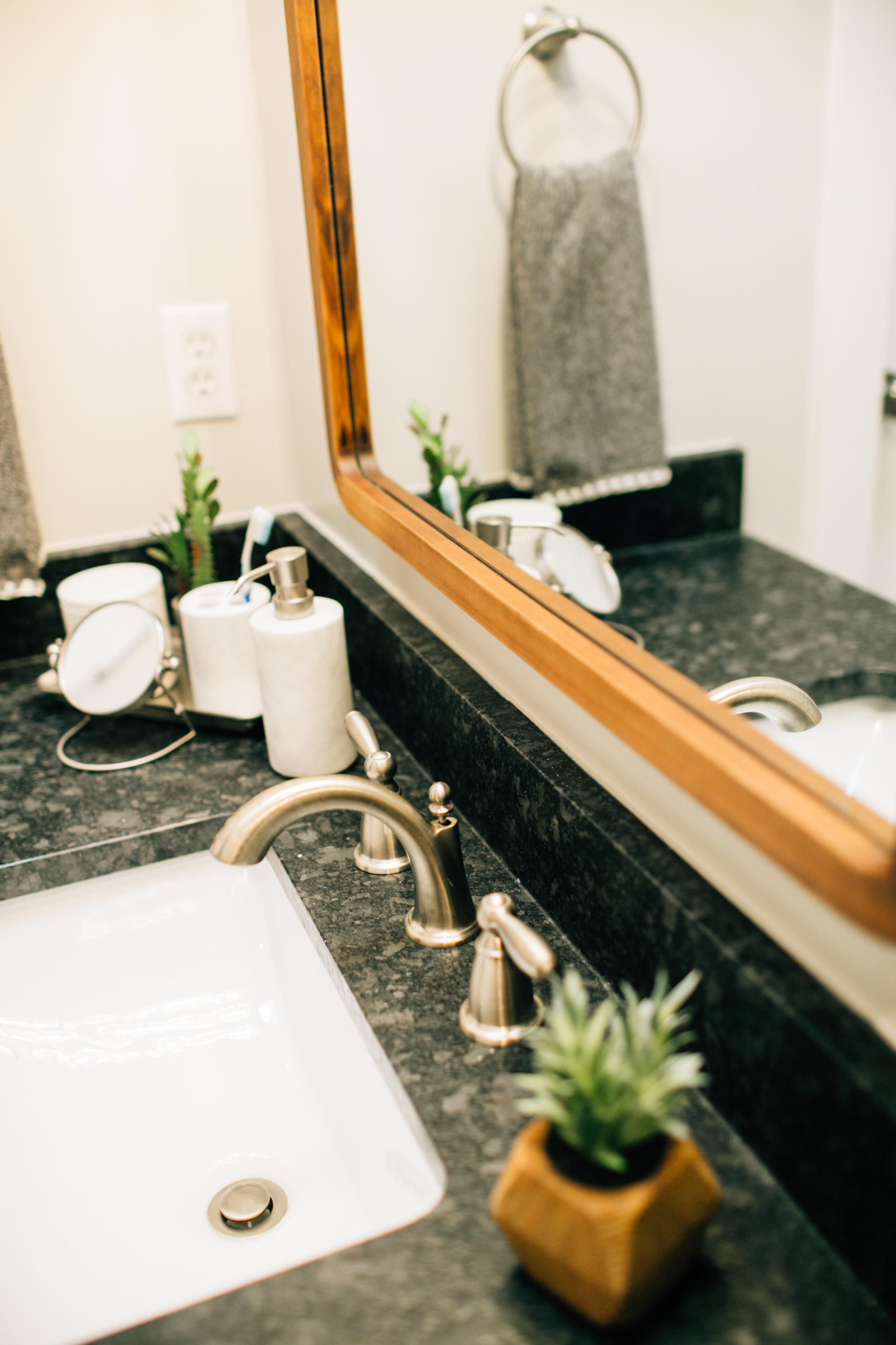 Bathroom Remodel 256.jpg