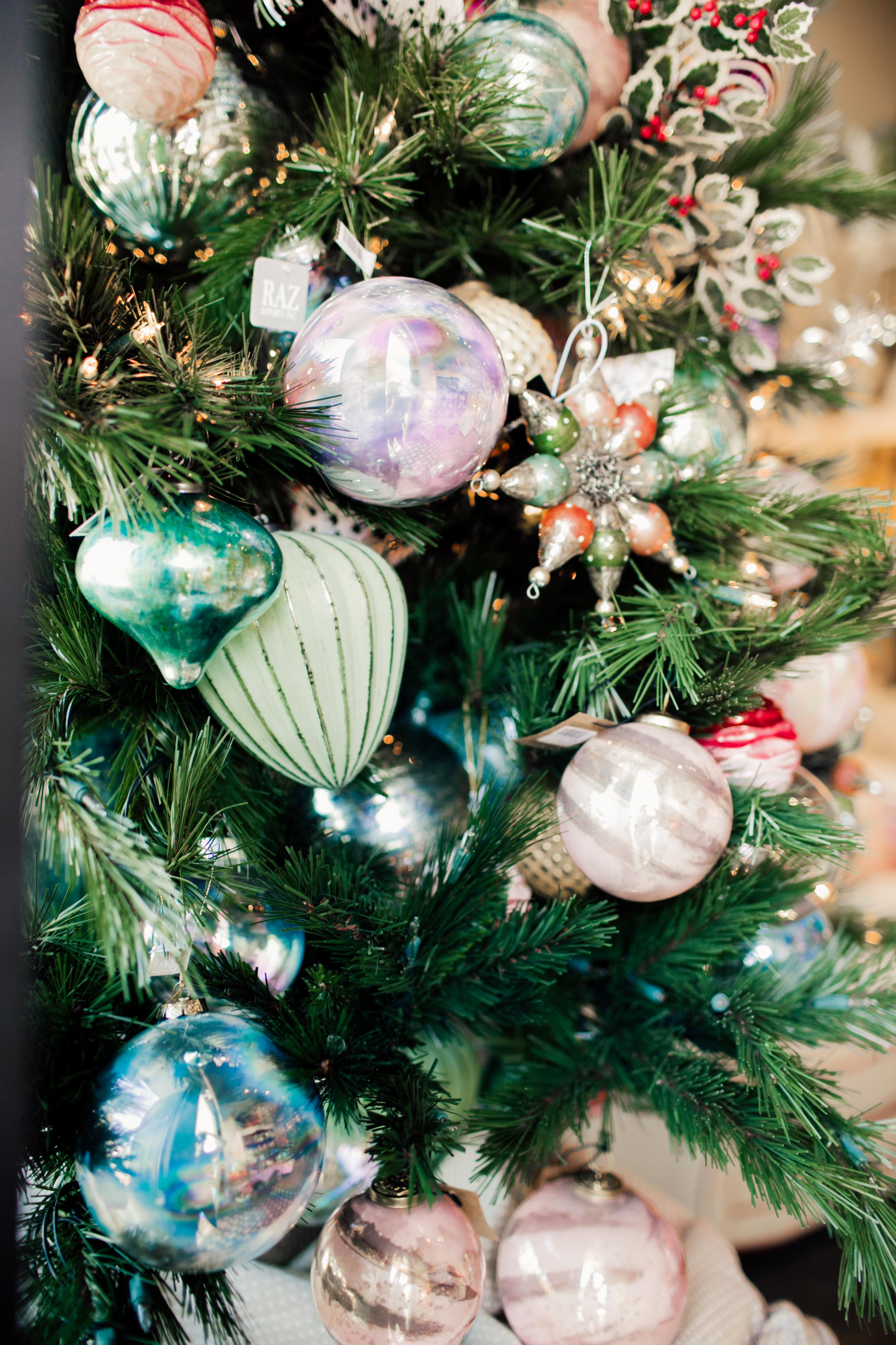 HolidayStore-5.jpg
