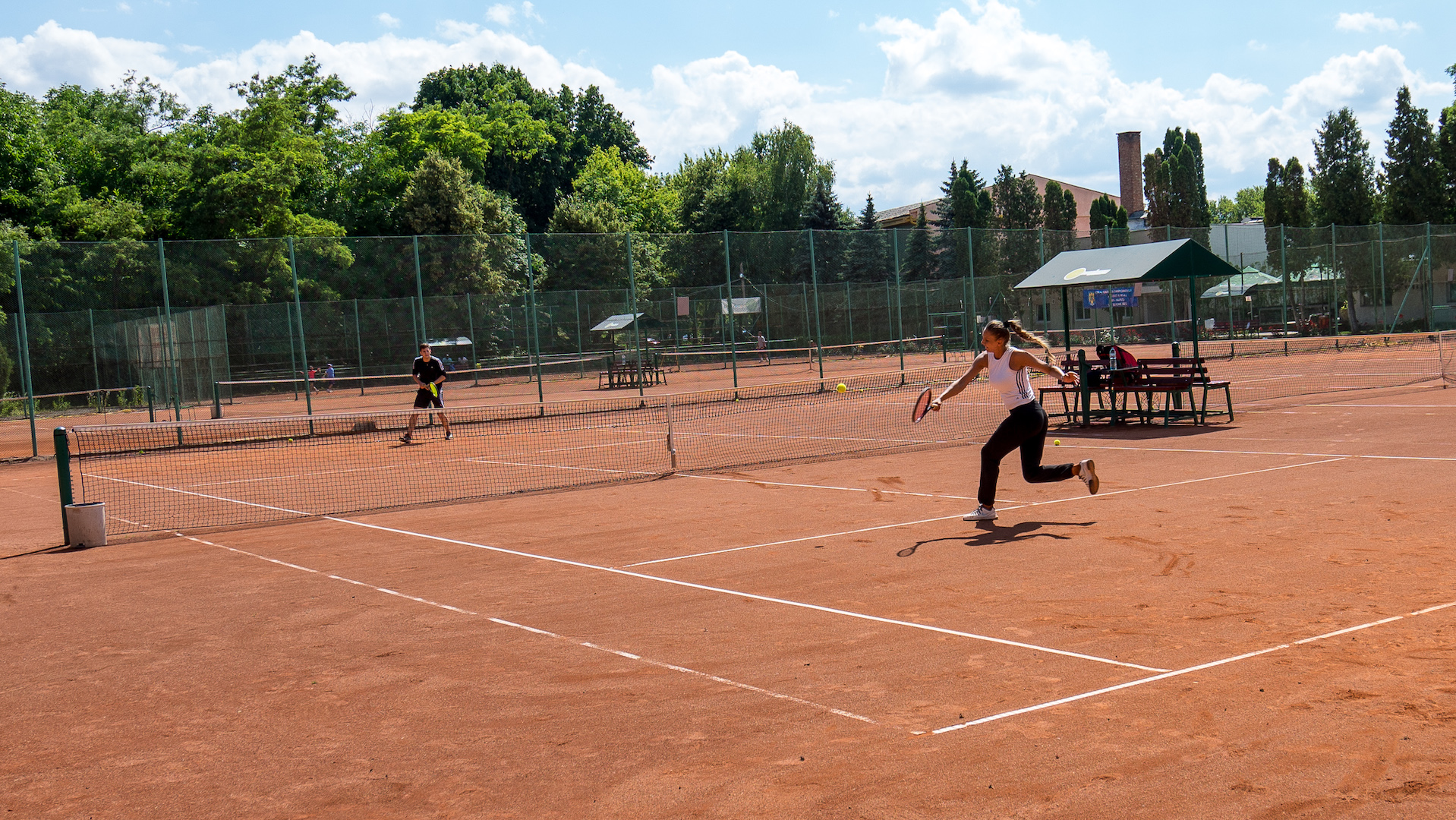 tenis zgura cluj