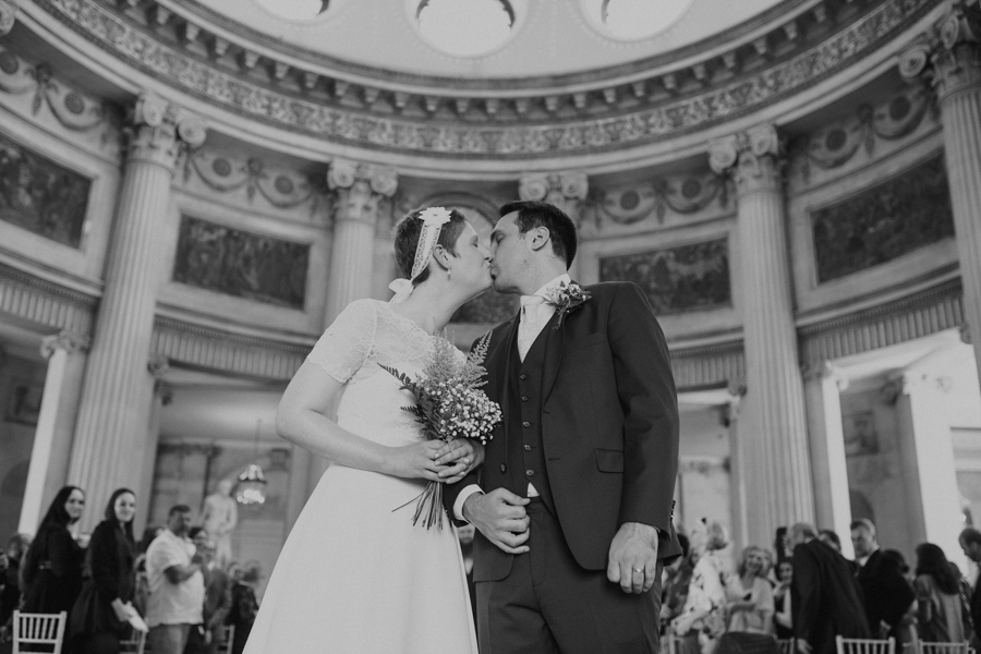 a+b+cityhall_anglers_rest_dublin_city_wedding_preview_049.jpg