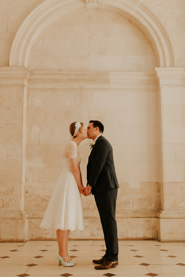 a+b+cityhall_anglers_rest_dublin_city_wedding_preview_065.jpg