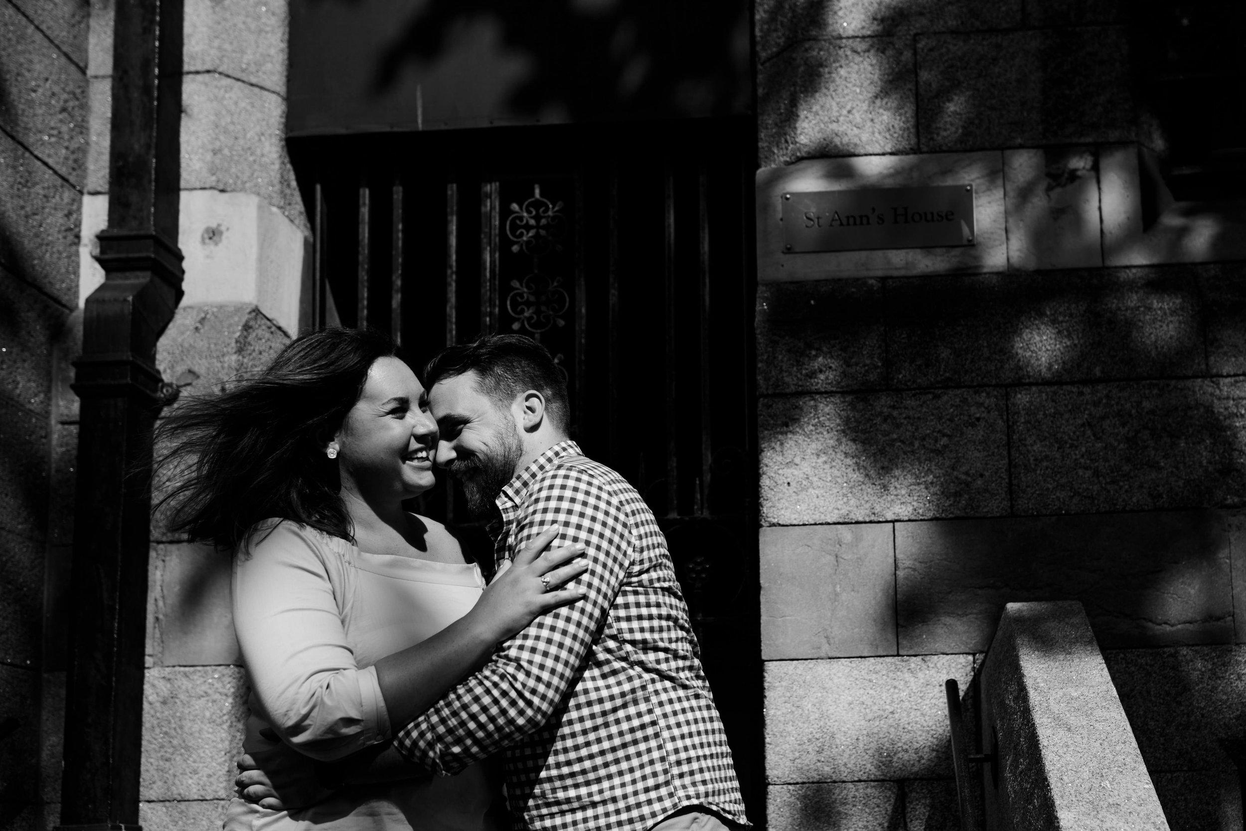 c&c_dublin_city_engagement_photos_livia_figueiredo_ireland_wedding_photographer_29.jpg