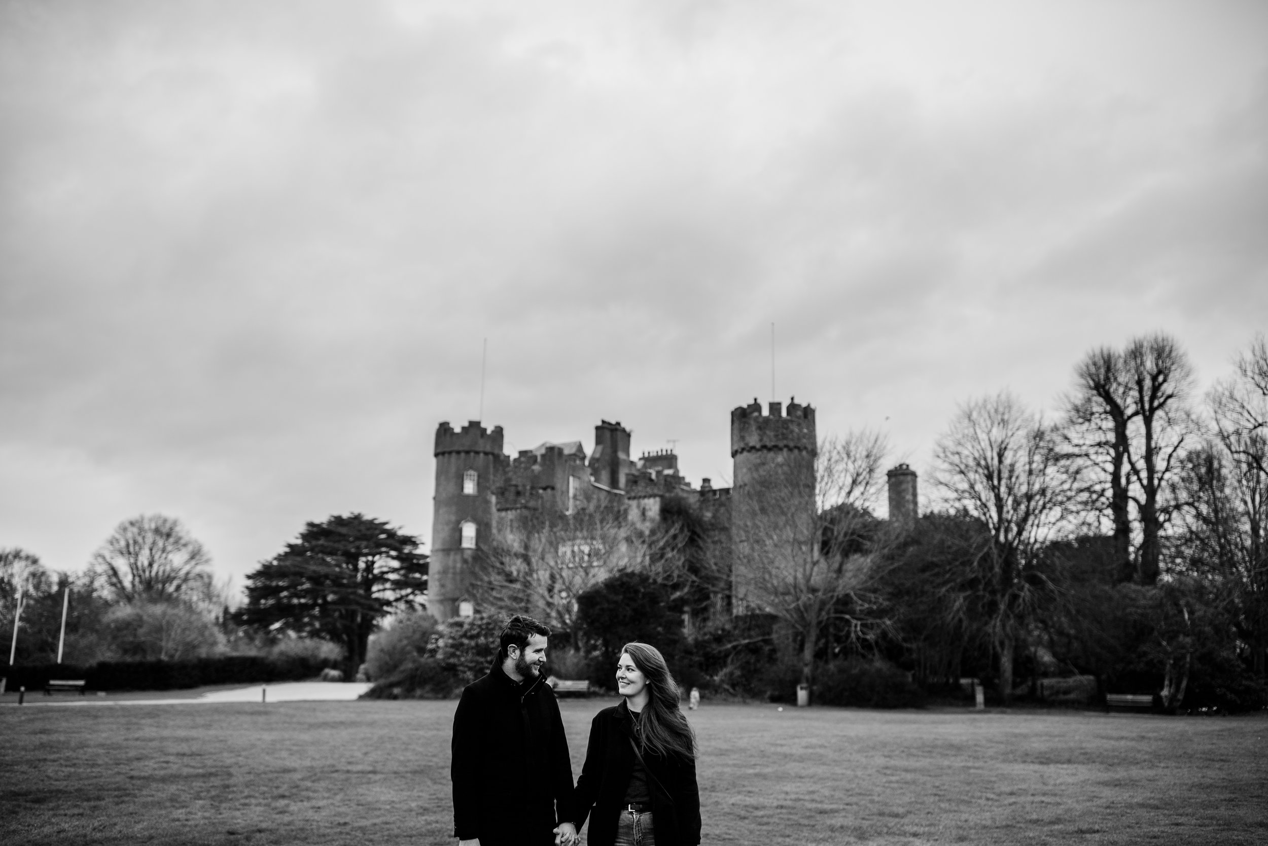 j&m_malahide_castle_engagement_session.jpg