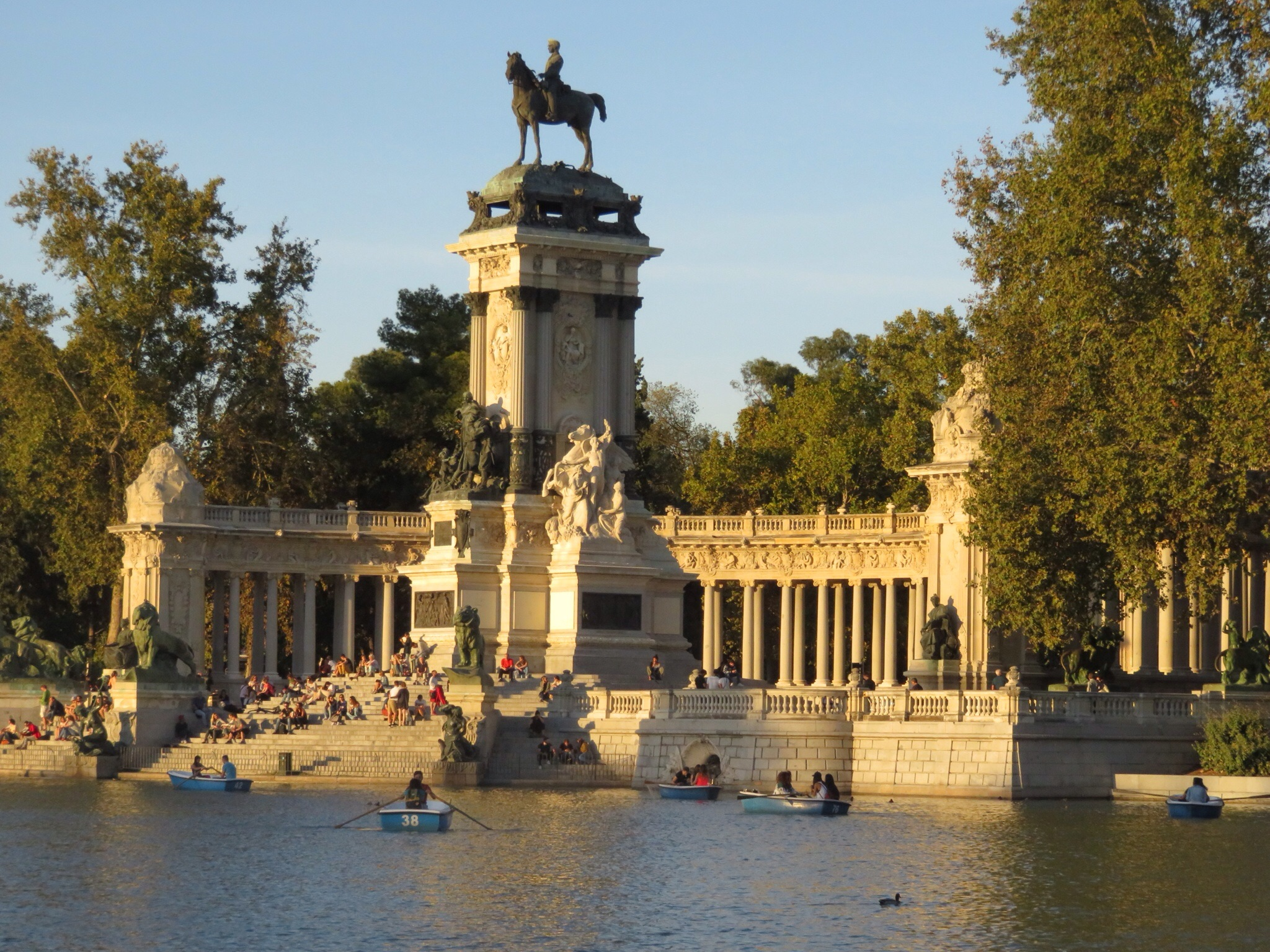 Monument to King Alfonso XII -- today you can rent rowboats or sit to catch the sunset.