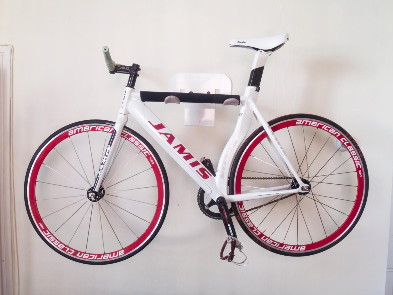 Web_Bike_Wall_01.jpg