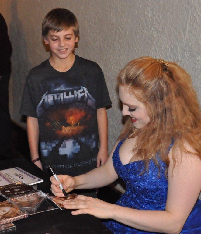 Rachel Barton Pine signs CDs for a fan