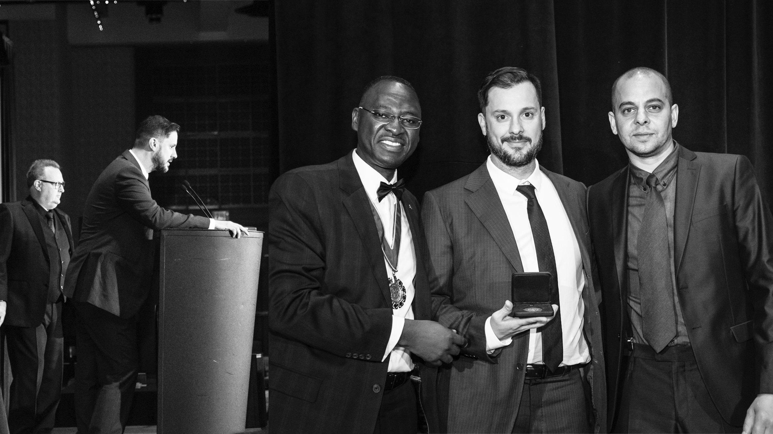 KANVA a reçu sa médaille pour le Prix du cabinet d'architectes de la relève 2015 au Festival d'architecture IRAC à Calgary /   KANVA receives their 2015 Emerging Architectural Practice medal at the RAIC festival in Calgary