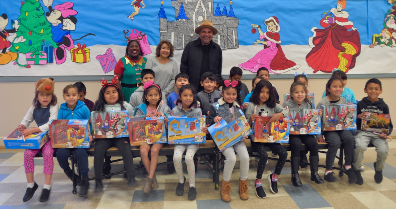 George Lopez Foundation Toy Drive - 6.jpg