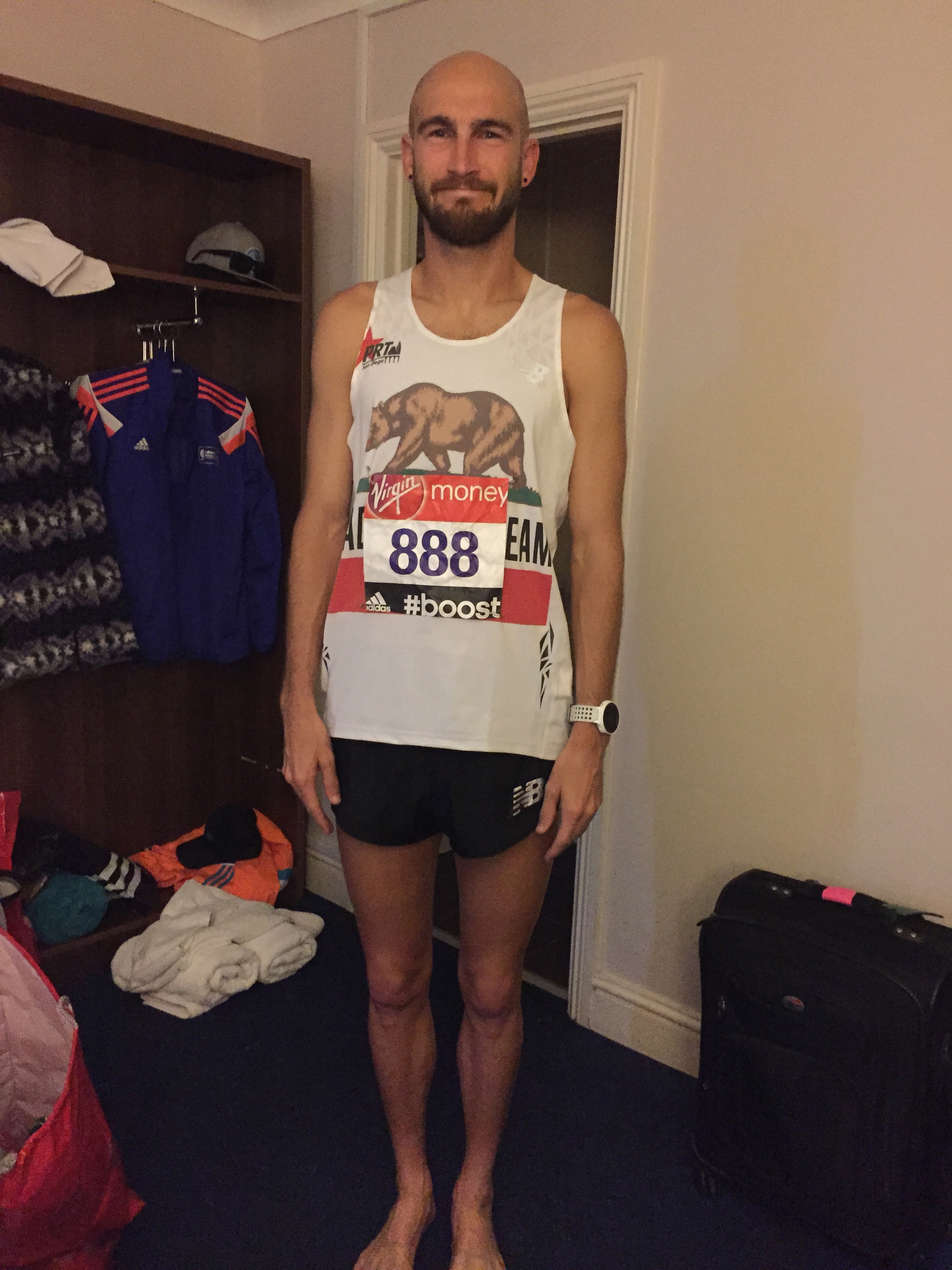 Doesn't he look ready to do a crazy fast marathon?!