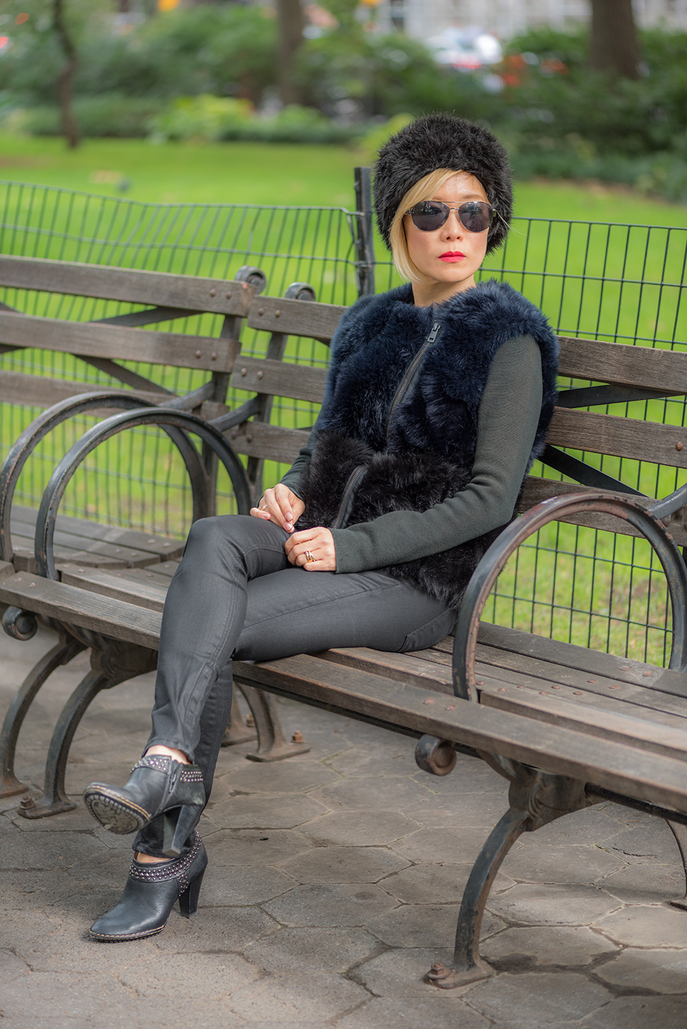 ROCK MAMA NYC LIFESTYLE BLOG - ALL BLACK IS PEACEFUL