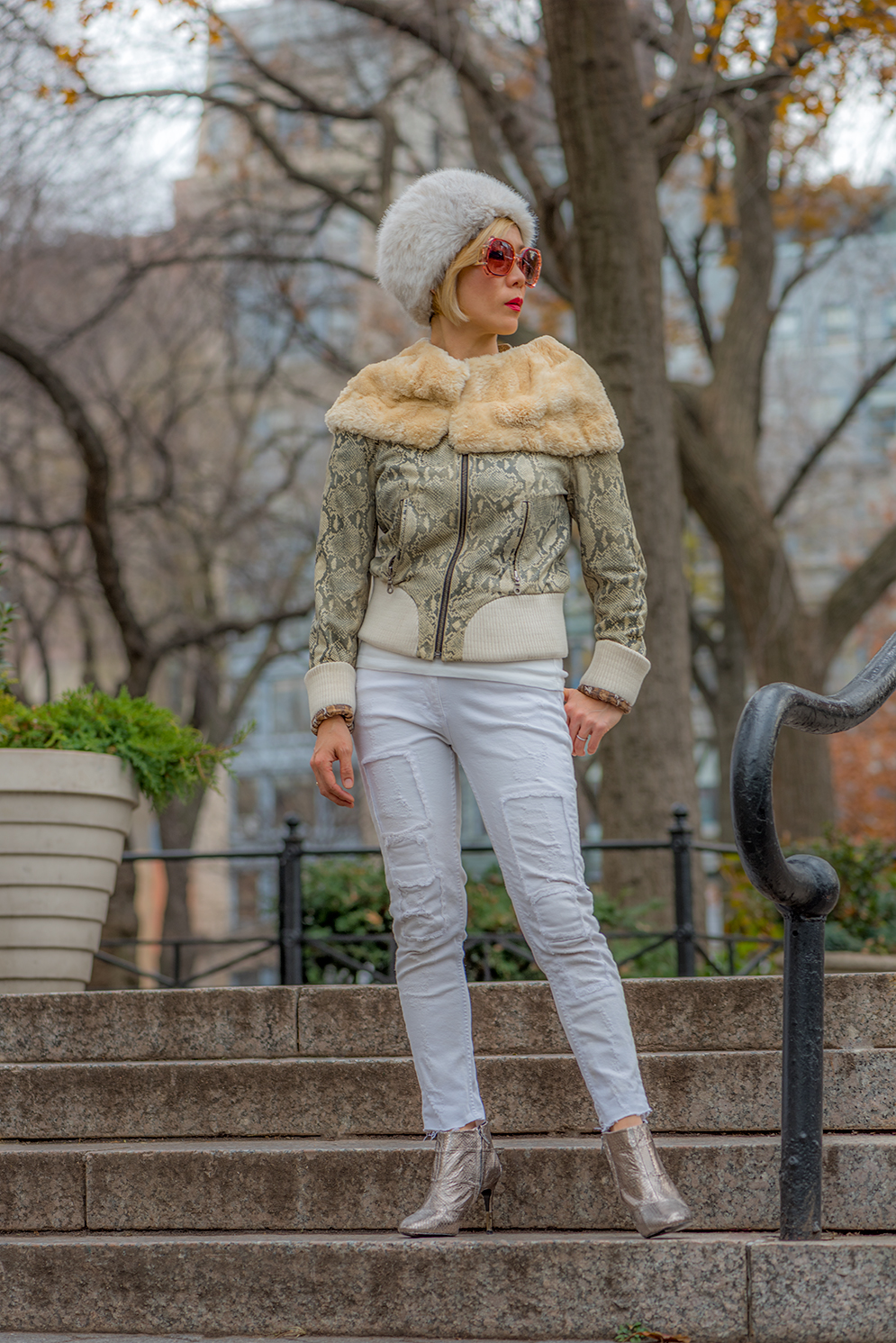 ROCK MAMA NYC LIFESTYLE BLOG - HOW TO WEAR HEAD TO TOE WHITE