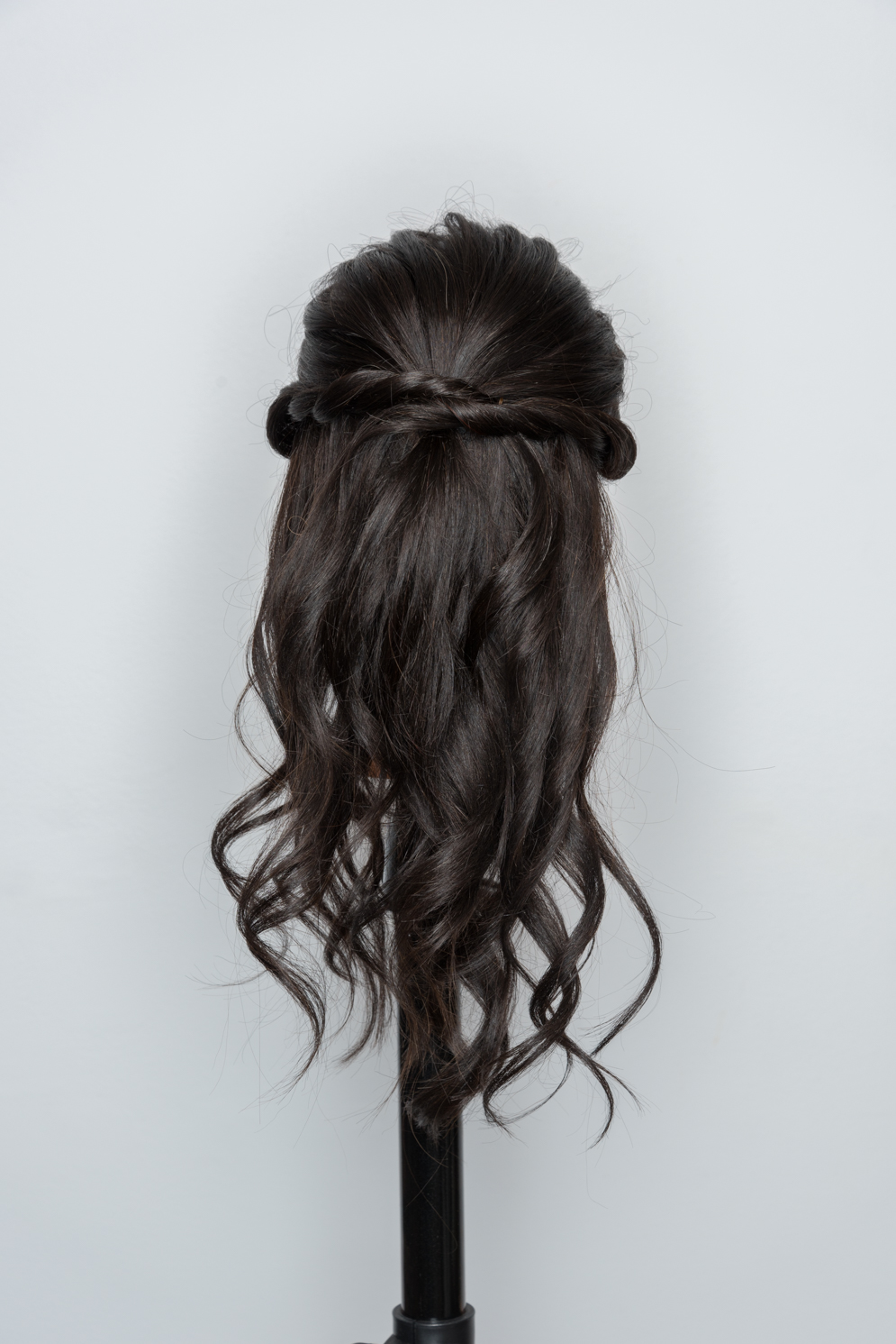 ROCK MAMA NYC LIFESTYLE BLOG - HAIR STYLES - HOW TO MAKE SUPER EASY HALF HAIR UP