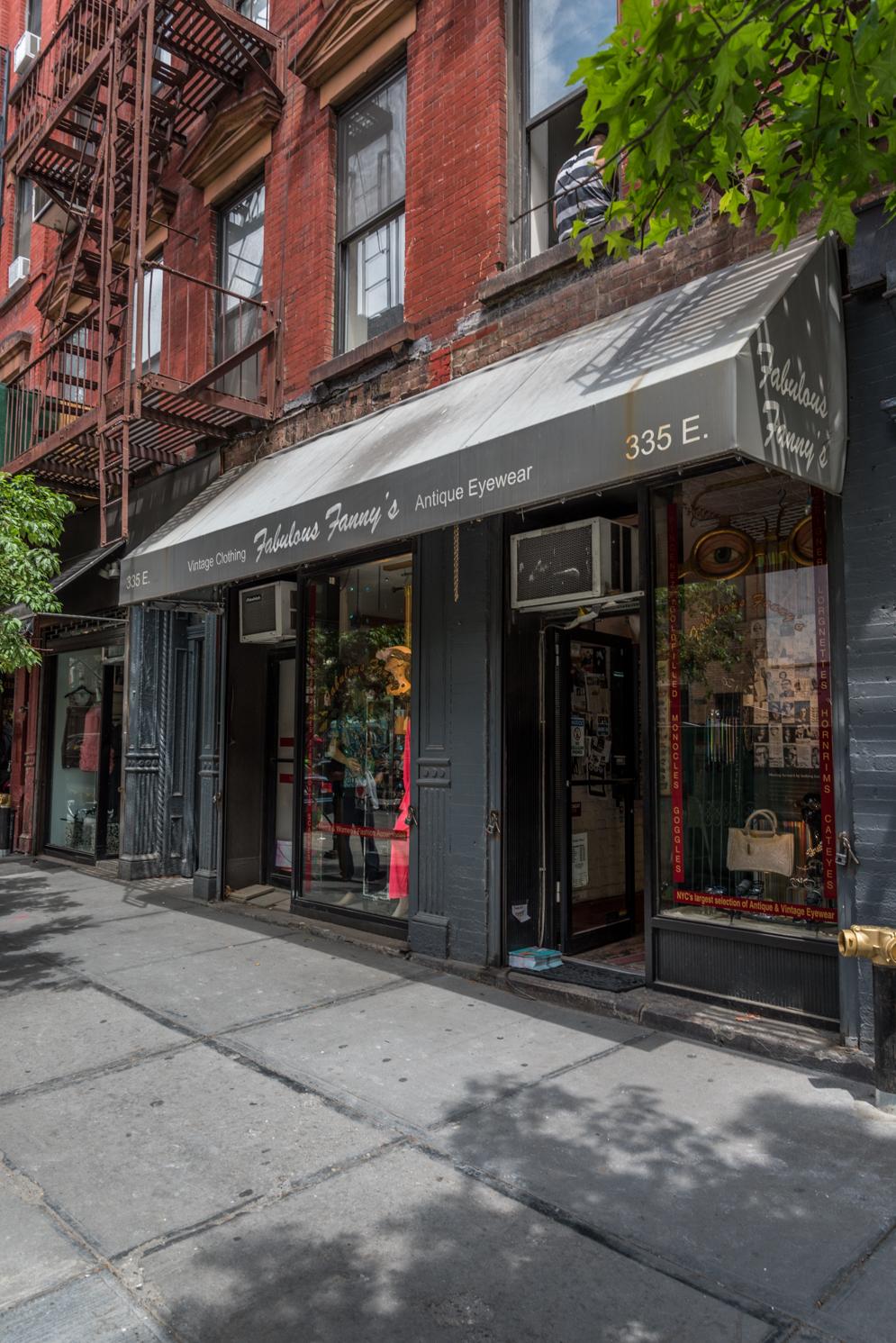 ROCK MAMA NYC LIFESTYLE BLOG - EAST VILLAGE VINTAGE EYEWEAR STORE - FABULOUS FANNYS