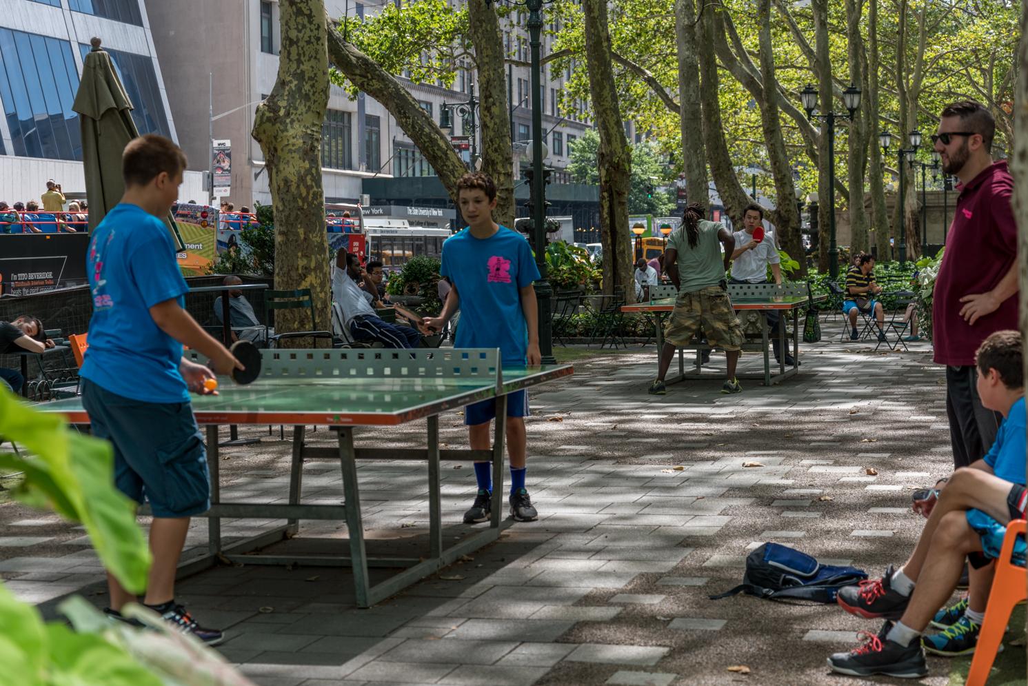ROCK MAMA NYC LIFESTYLE BLOG - FUN SUMMER TIME AT BRYANT PARK