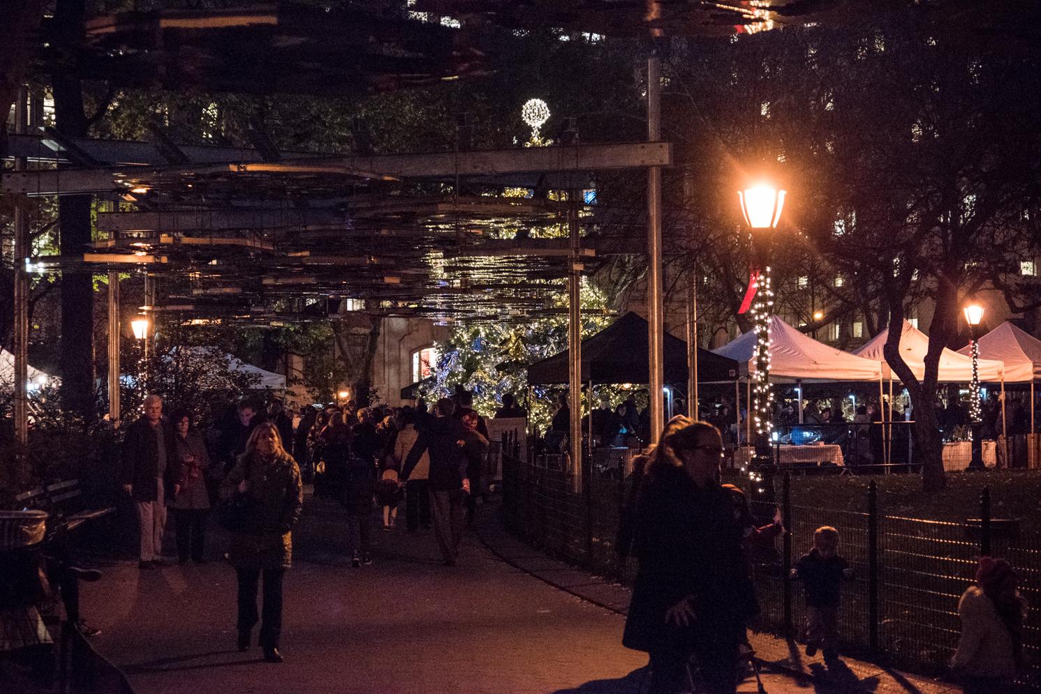 ROCK MAMA NYC LIFESTYLE BLOG - MADISON SQUARE PARK CHRISTMAS TREE LIGHTING