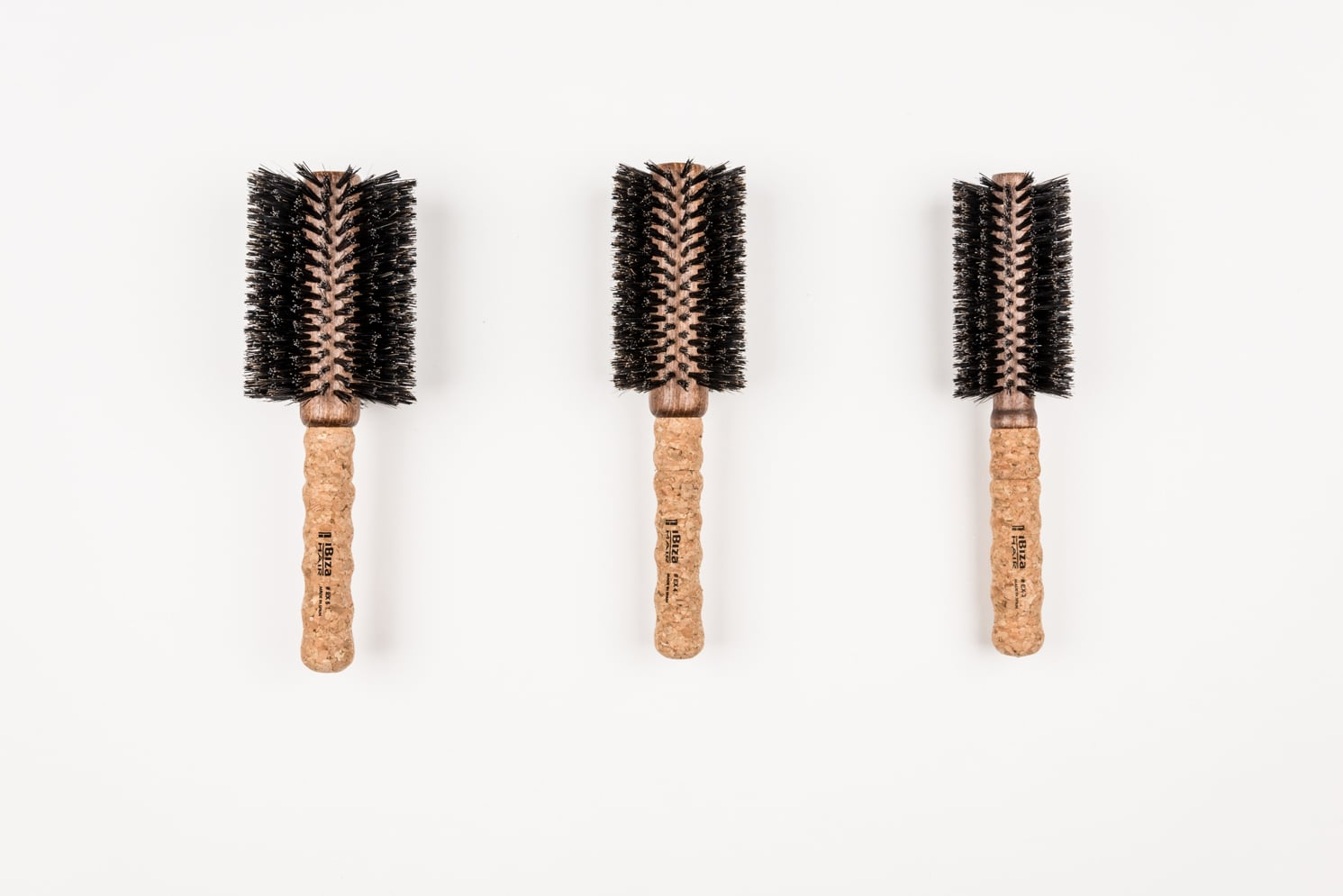ROCK MAMA NYC LIFESTYLE BLOG - HOW TO PICK THE RIGHT BRUSH - ROUND BRUSH