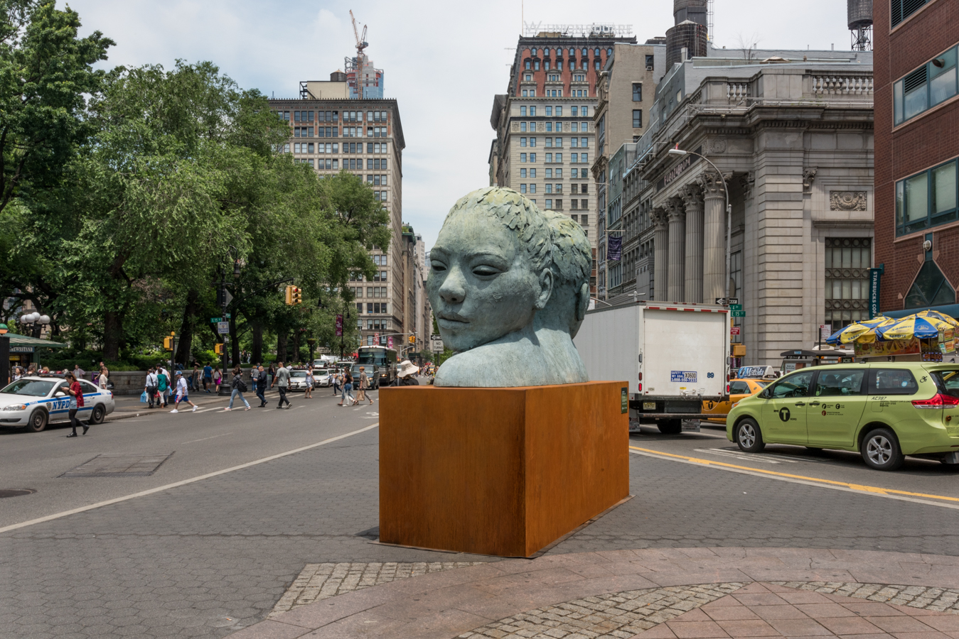 ROCK MAMA NYC LIFESTYLE BLOG-  ART IN THE PARKS - LIONEL SMIT