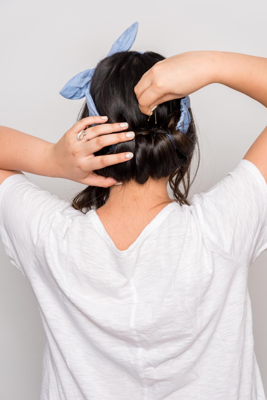 How To Do An Easy Headband Updo 夏にオススメの簡単ヘアアレンジ 8