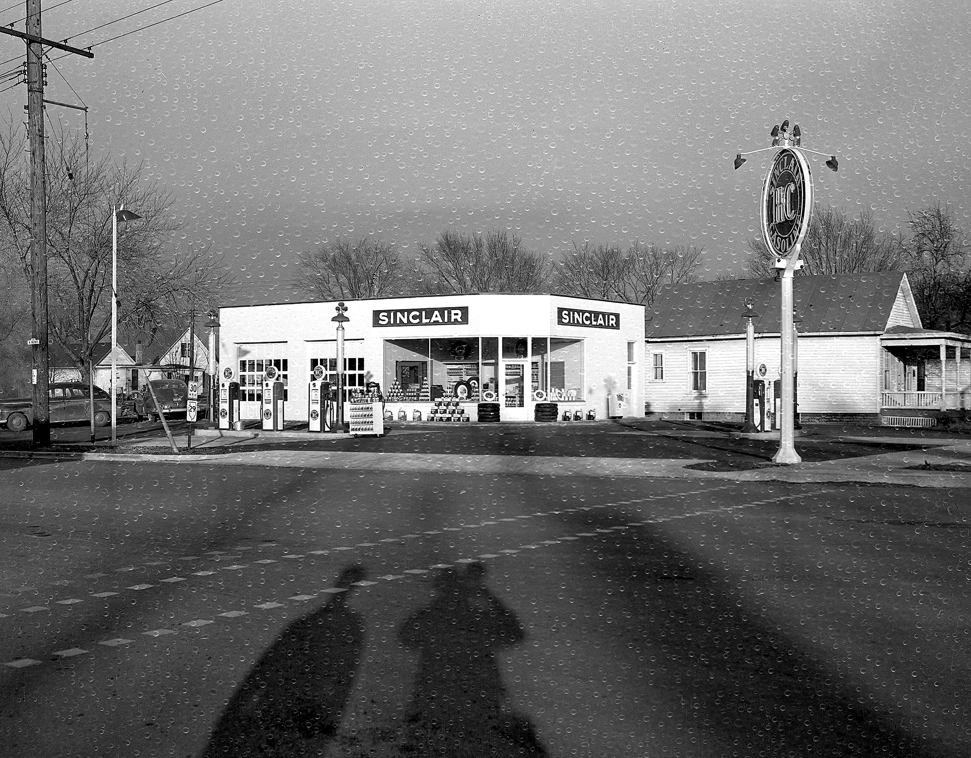 Sinclair service station, Ninth Street and South Grand Avenue, northwest corner, January 1950. In the 1930s, Sinclair operated 17 stations in Springfield.