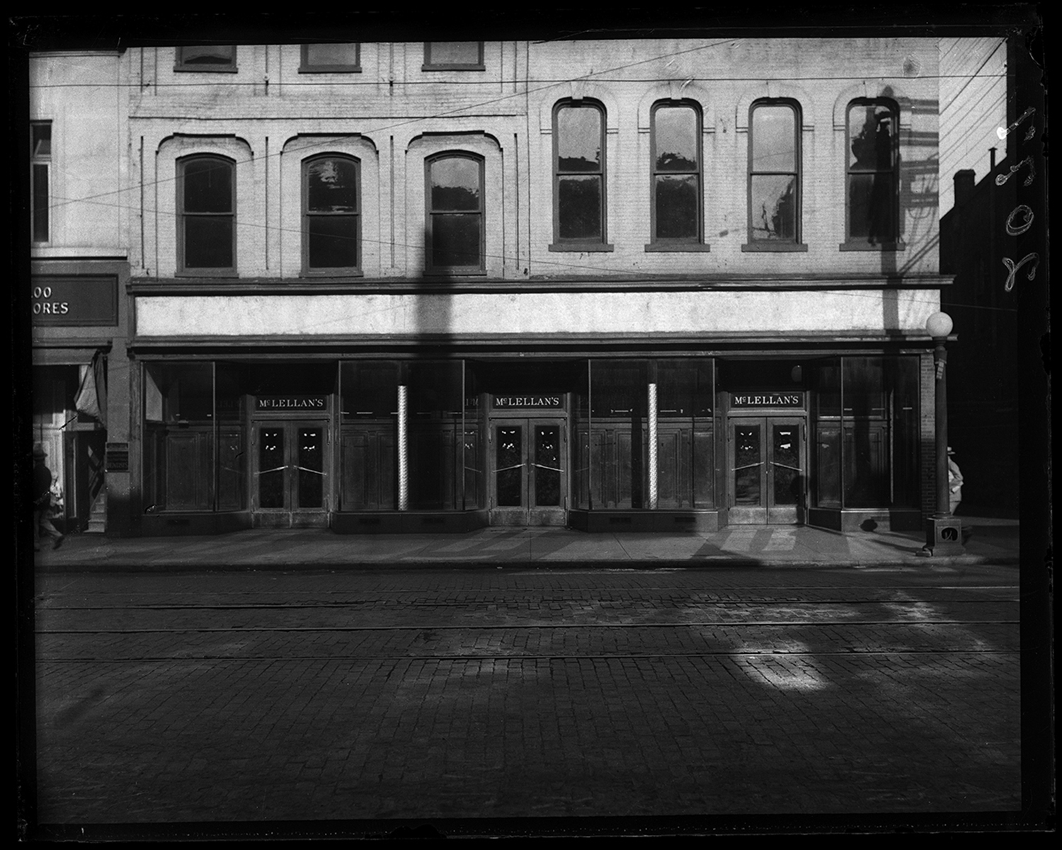 McLellan's, vacant business, circa 1931. File/The State Journal-Register
