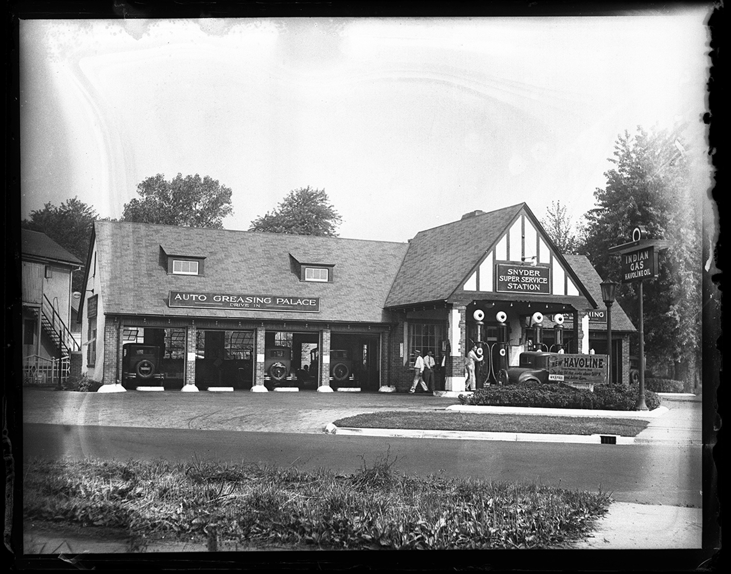 Snyder Super Service Station and Auto Greasing Palace at Fifth Street and South Grand Ave. West, Sept. 9, 1929. File/The State Journal-Register