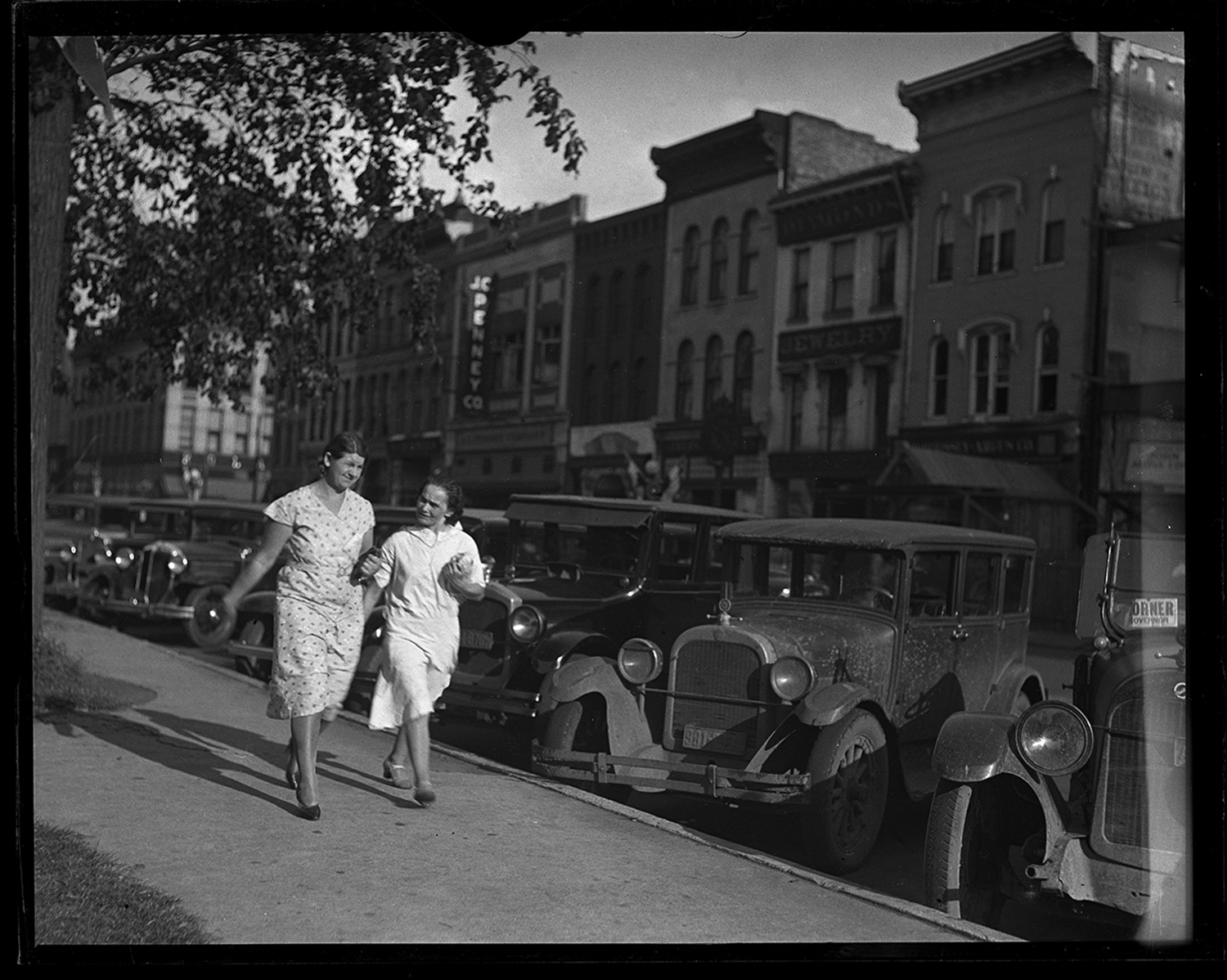 Adams Street, south side of public square, circa 1933. File/The State Journal-Register. C-98-1260