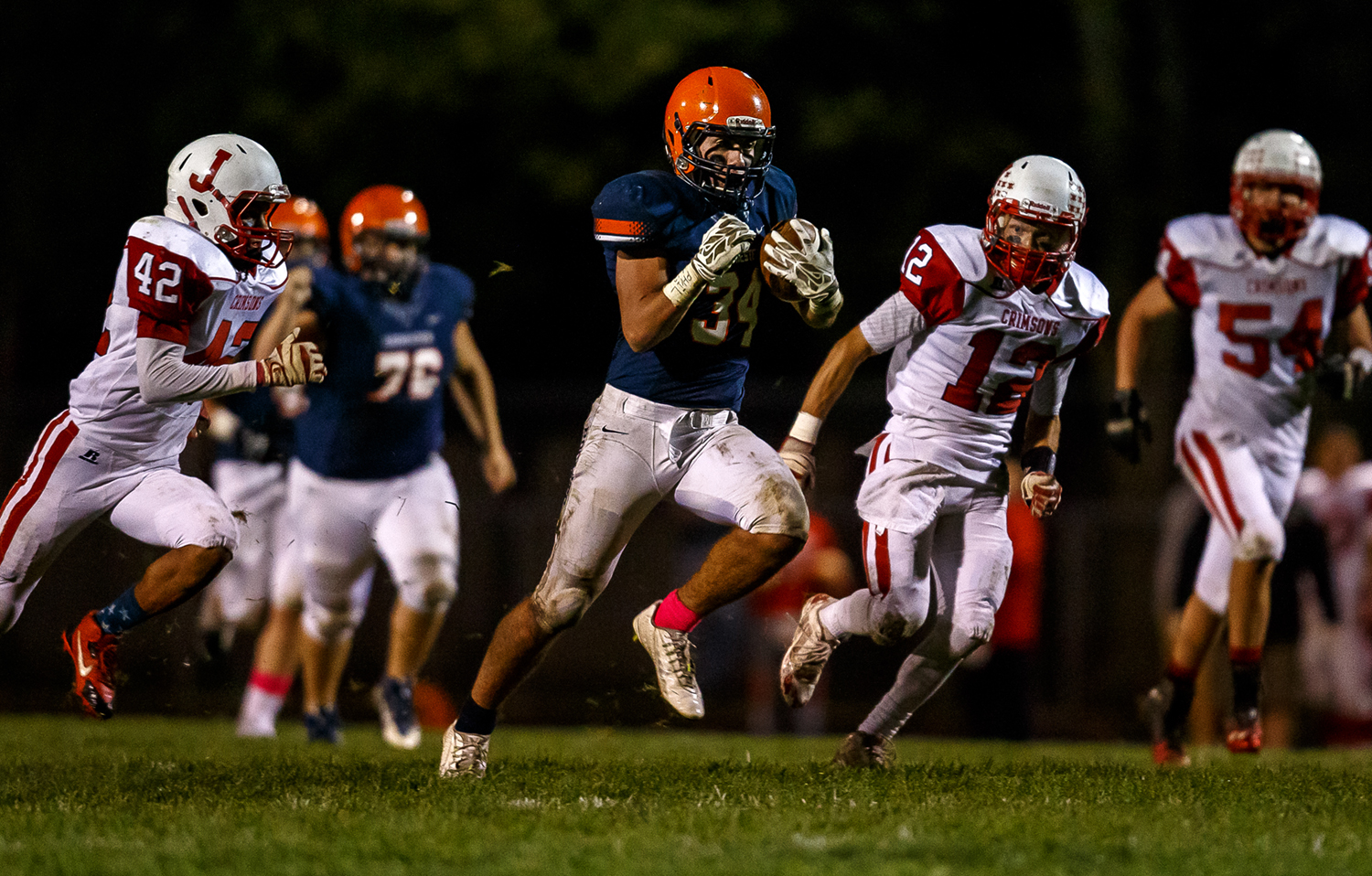 Rochester's Evan Sembell (34) breaks free on a 60-yard run against Jacksonville during the first half at Rocket Booster Field, Friday, Oct. 10, 2014, in Rochester, Ill. Justin L. Fowler/The State Journal-Register