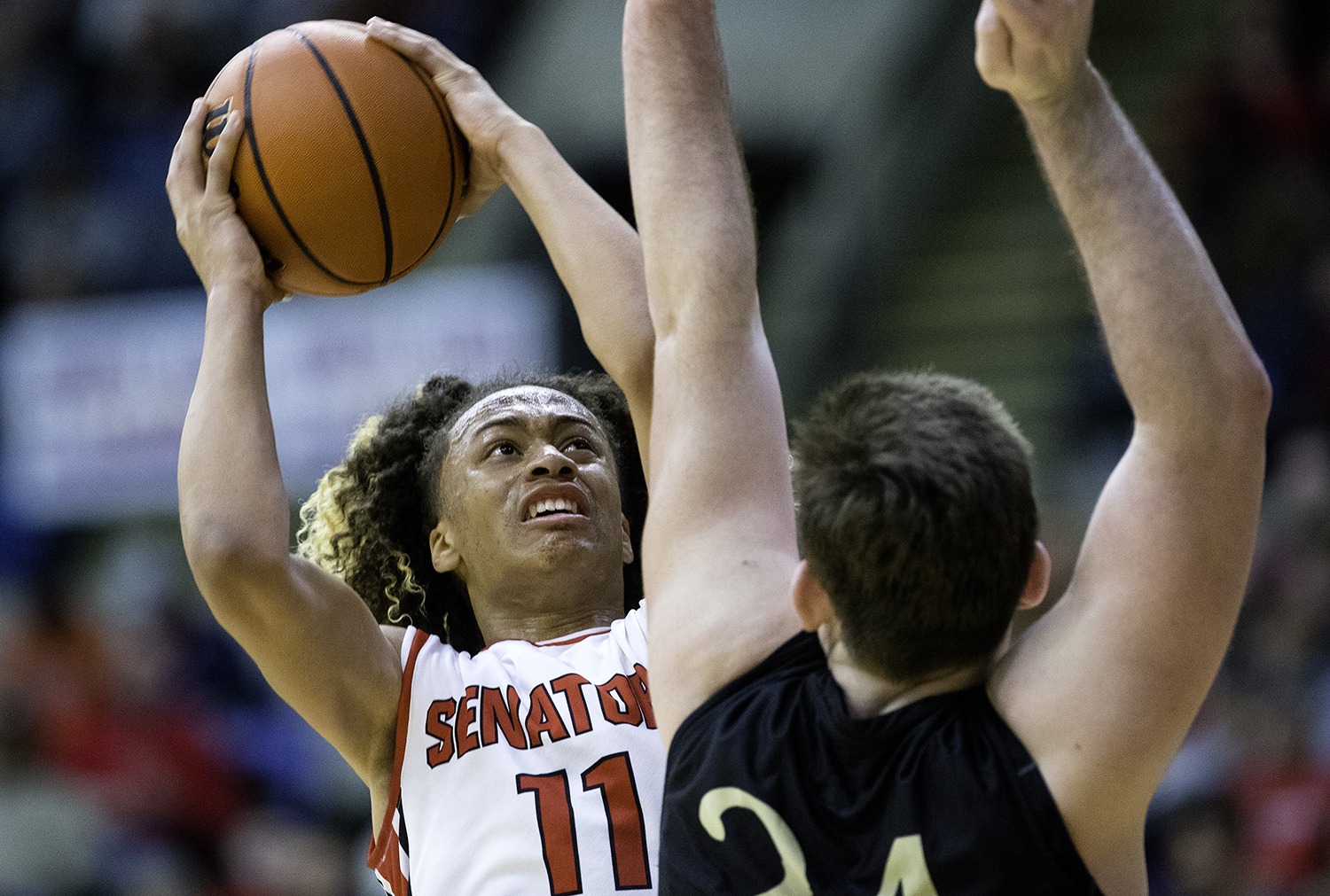 Springfield's Zaire Harris drives toward Sacred Heart-Griffin's Nick Broeker during the Boys City Tournament at the Bank of Springfield Center Saturday, Jan. 20, 2018. [Ted Schurter/The State Journal-Register]
