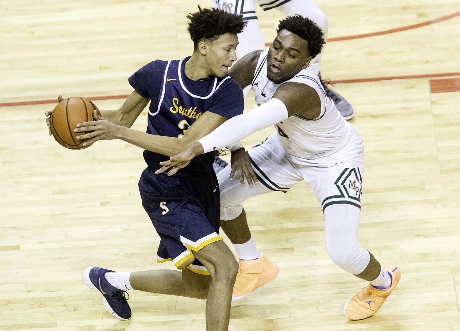 Morgan Park's Kenyon Duling pressures Southeast's Michael Tyler  during the 3A championship game at Carver Arena in Peoria, Ill., Saturday, March 17, 2018. [Ted Schurter/The State Journal-Register]