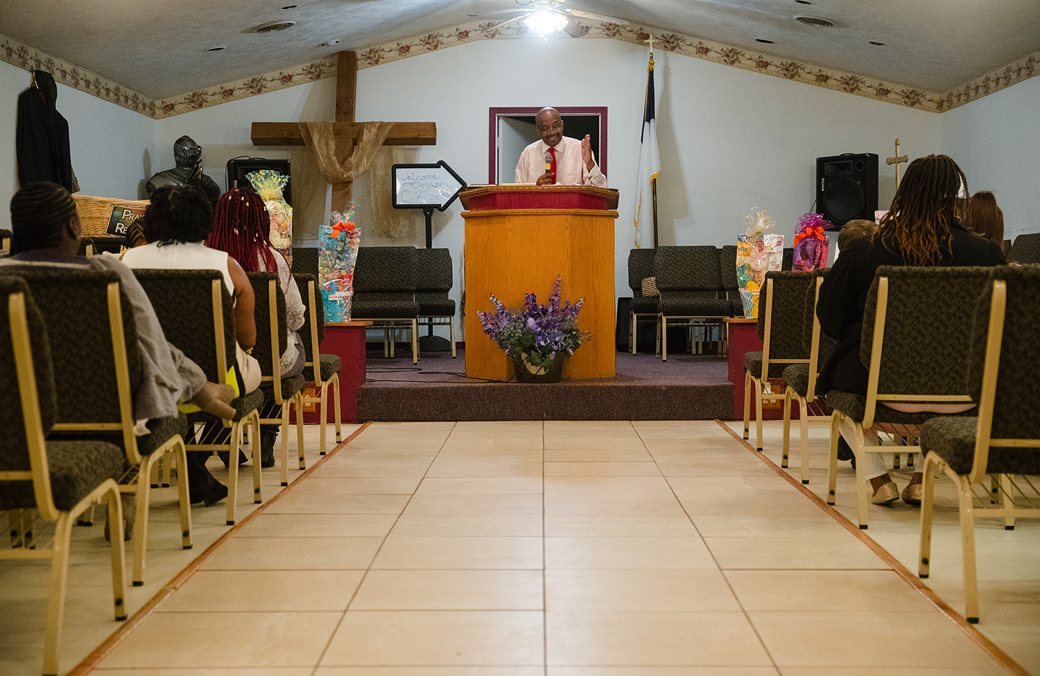 Bishop Todd Gordon Sr. preaches during Easter service at City of Miracles International church in Springfield on Easter Sunday, April 1, 2018. [Ted Schurter/The State Journal-Register]