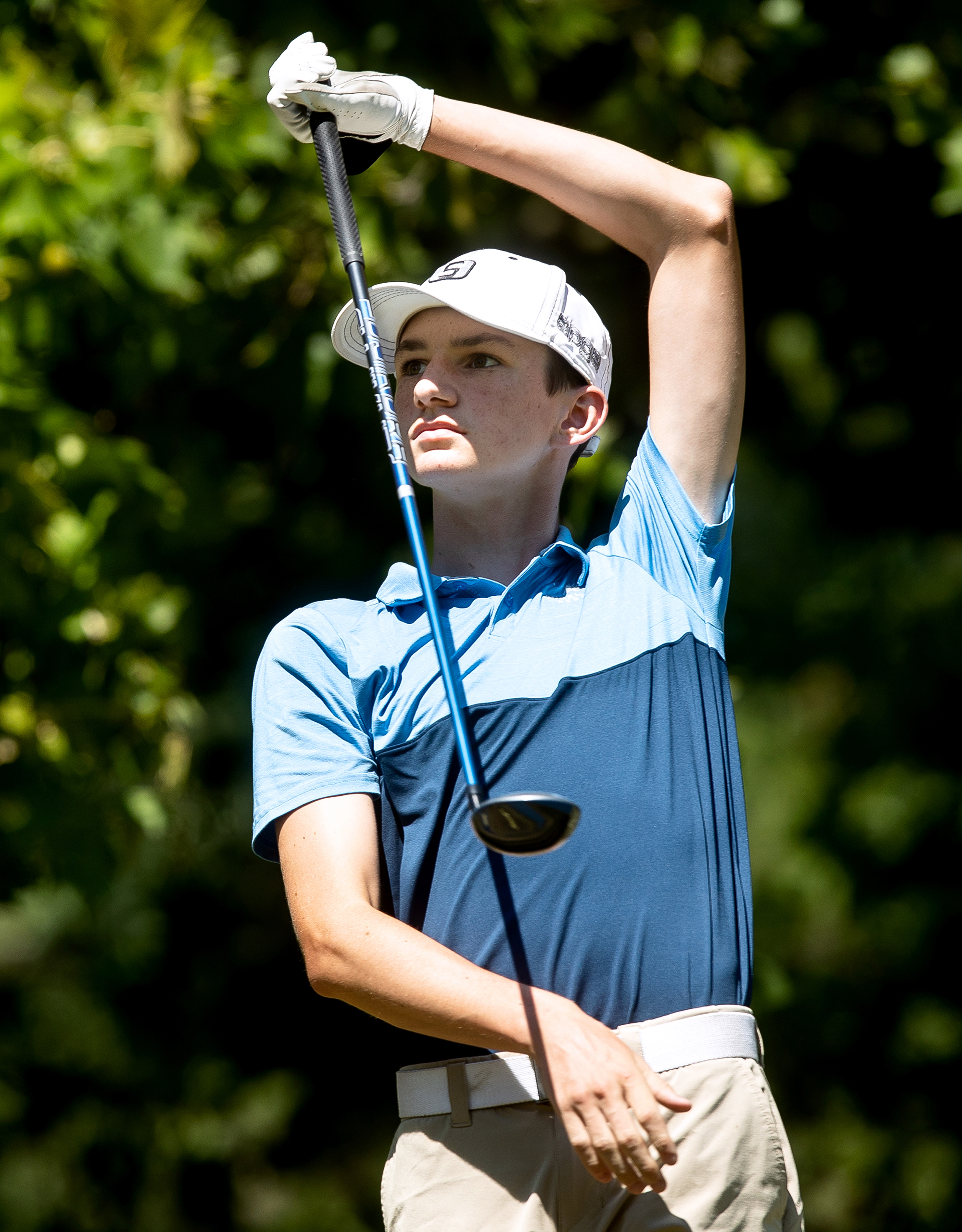Cole Bartels watches his drive shot from the No. 9 tee in the boys 14-15 championship flight semifinal of the Drysdale Junior Golf Tournament Wednesday, July 11, 2018 at Bunn Golf Course in Springfield, Ill. [Rich Saal/The State Journal-Register]