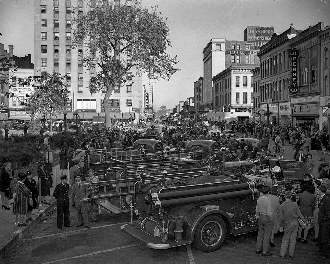Springfield Fire Department, National Fire Prevention Week demonstration in Springfield, Ill., October 10, 1941.