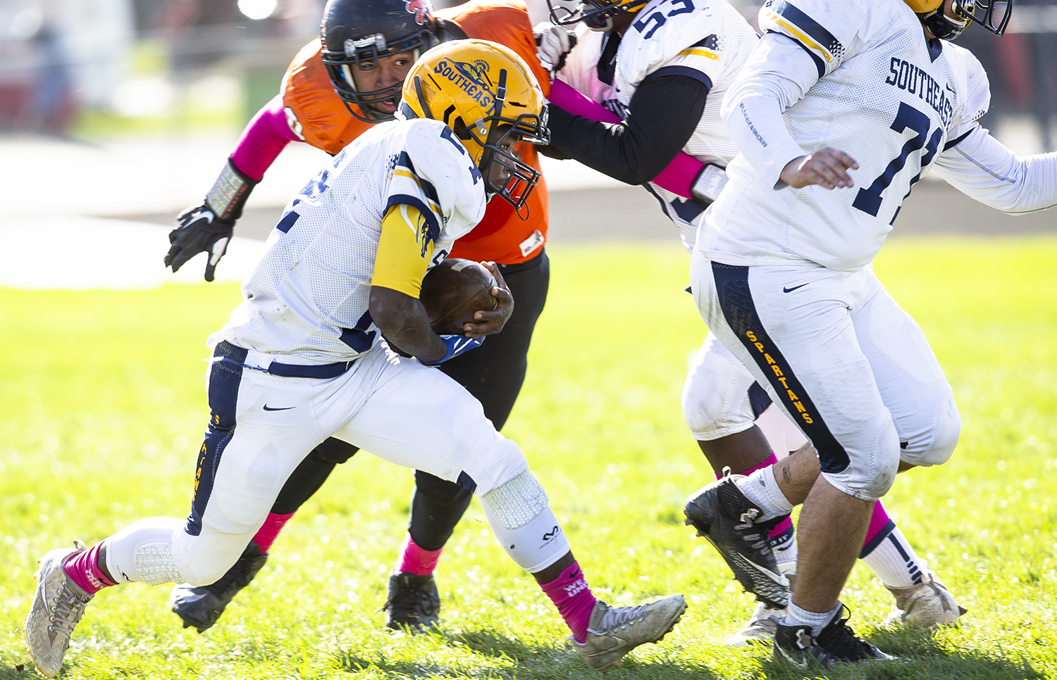 Southeast's Antron Bevly breaks away from the Lanphier defense at Memorial Stadium Saturday, Oct. 20, 2018  in Springfield, Ill. [Rich Saal/The State Journal-Register]