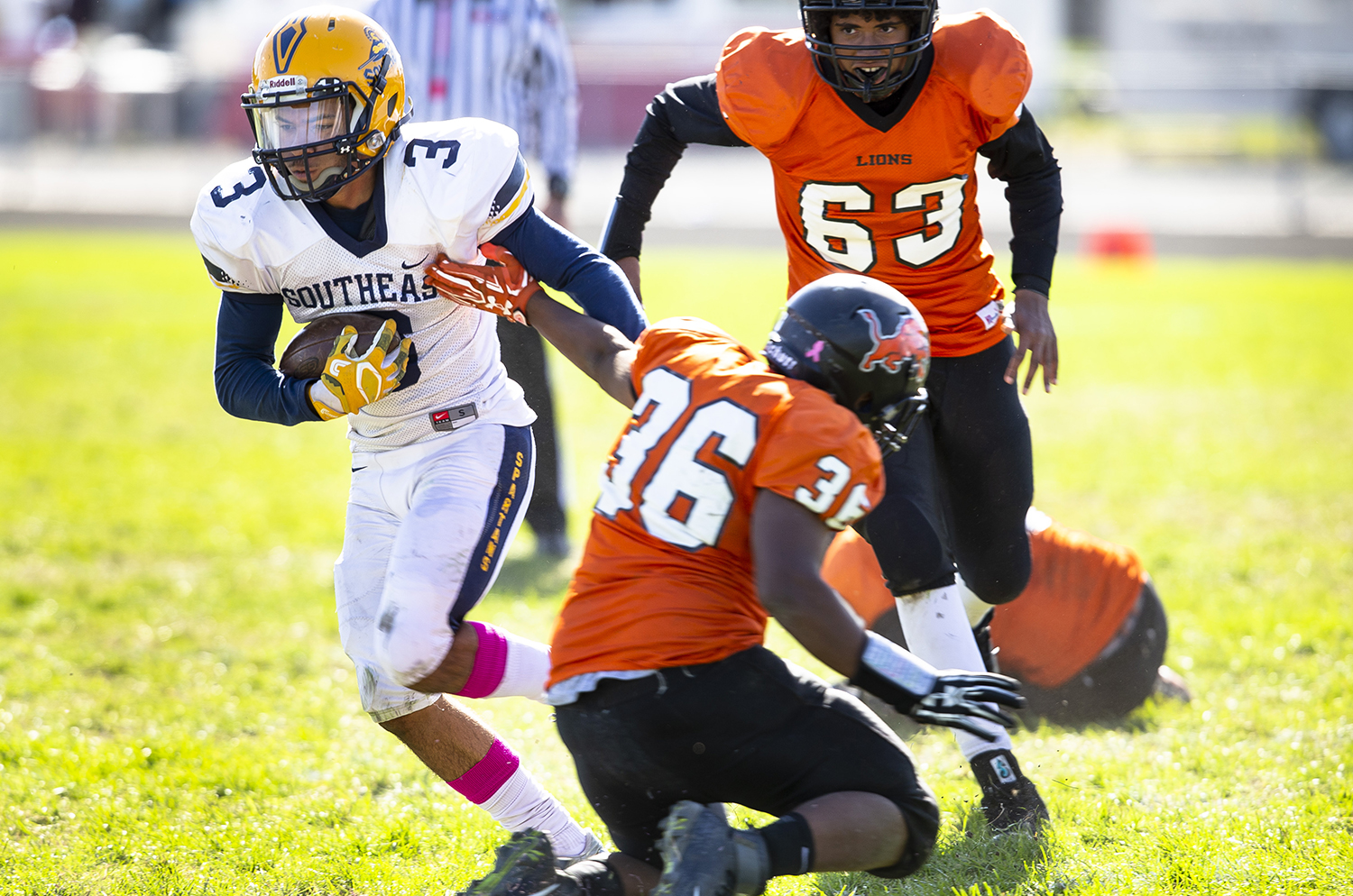 Southeast's Decorian Sexton breaks past the Lanphier defense at Memorial Stadium Saturday, Oct. 20, 2018 in Springfield, Ill. [Rich Saal/The State Journal-Register]