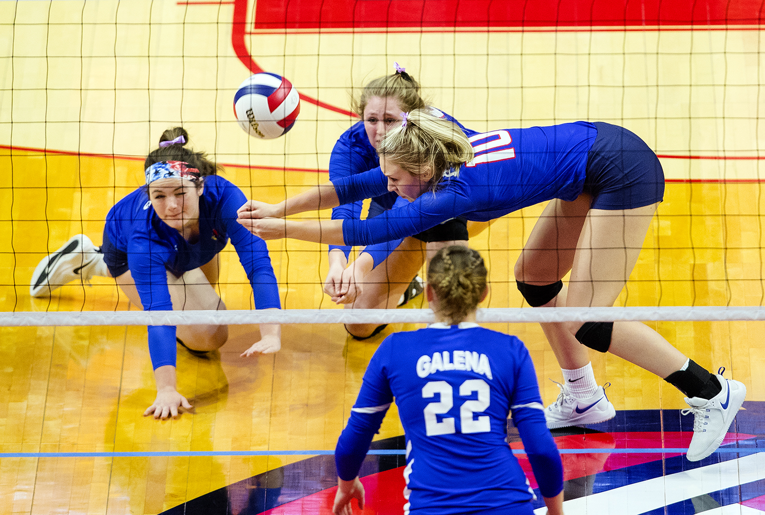 Pleasant Plains' Allie Edwards makes a diving pass against Galena during the IHSA Class 2A Volleyball championship at Redbird Arena in Normal Saturday, Nov. 10, 2018. [Ted Schurter/The State Journal-Register]