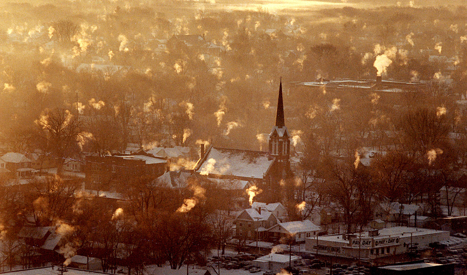 On the morning of Dec. 20, 1989, Hagen captured the scene from the 29th floor of the Hilton Springfield after a record-low overnight temperature of 14 below zero. [Bill Hagen/The State Journal-Register]