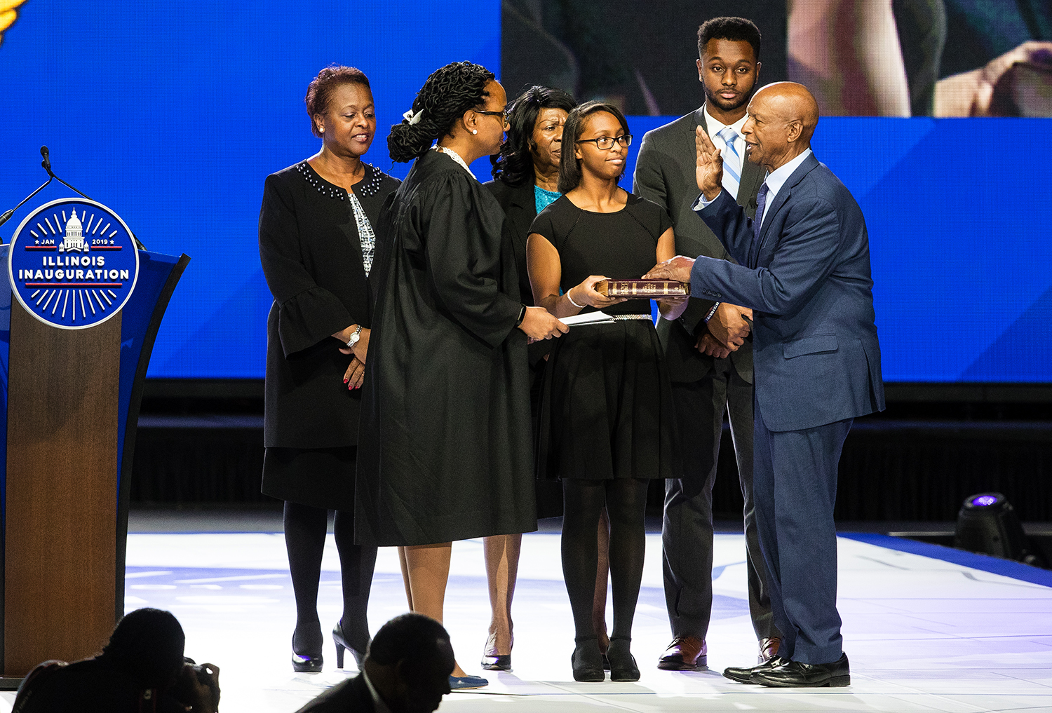 Illinois Secretary of State Jesse White takes the oath of office from judge Toya Harvey during the Illinois Inaugural Ceremony at the Bank of Springfield Center Monday, Jan. 14, 2019. [Ted Schurter/The State Journal-Register]