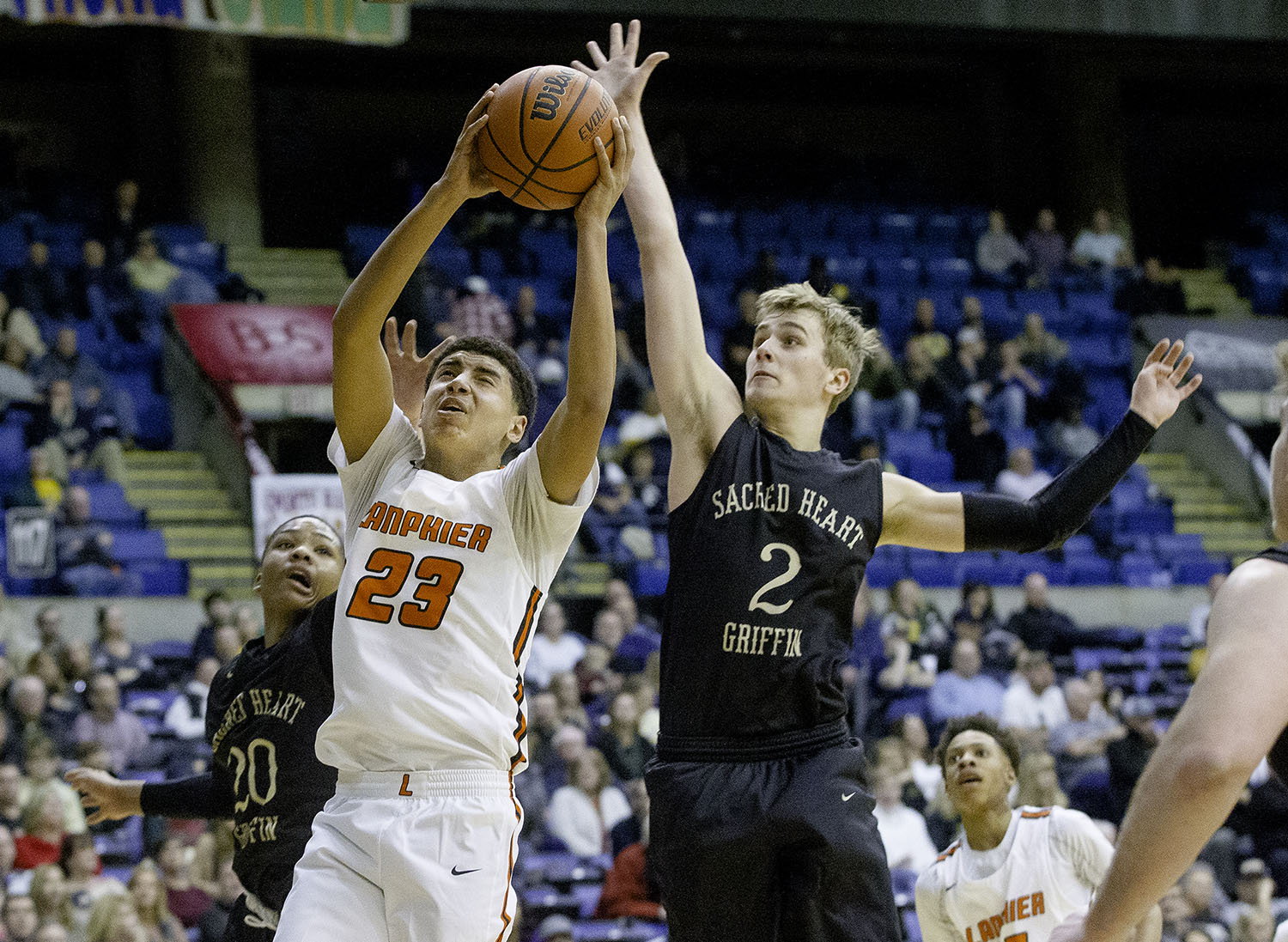 Lanphier's Tye Banks drives to the hoop during the Boys City Tournament at the Bank of Springfield Center Thursday, Jan. 17, 2019.  [Ted Schurter/The State Journal-Register]