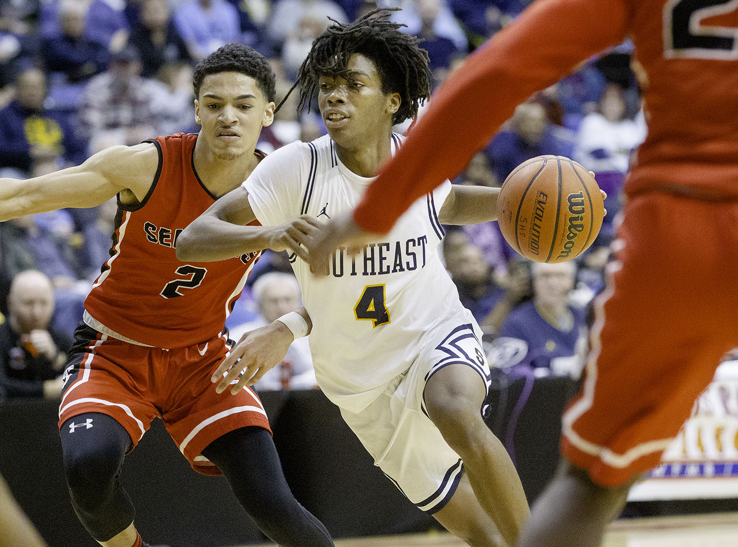 Southeast's Terrion Murdix drives to the hoop against Springfield during the Boys City Tournament at the Bank of Springfield Center Thursday, Jan. 17, 2019.  [Ted Schurter/The State Journal-Register]