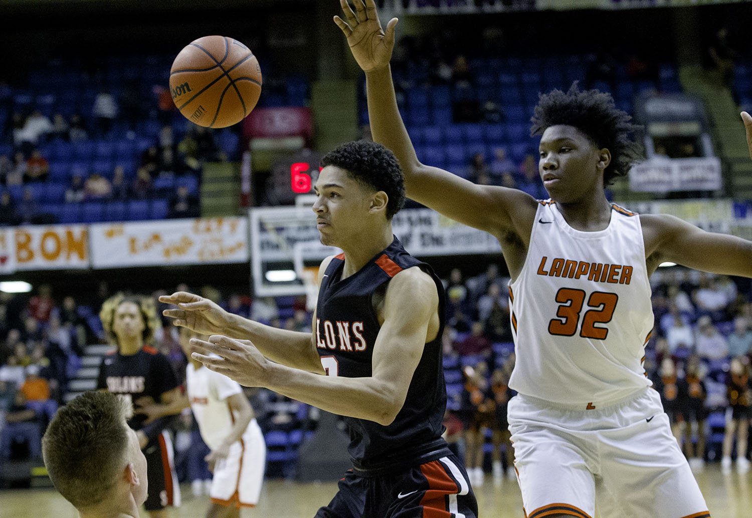 Springfield's Bennie Slater looses the ball under pressure from Lanphier's Jaden Snodgrass and KJ Deberick during the Boys City Tournament at the Bank of Springfield Center Friday, Jan. 18, 2019.  [Ted Schurter/The State Journal-Register]