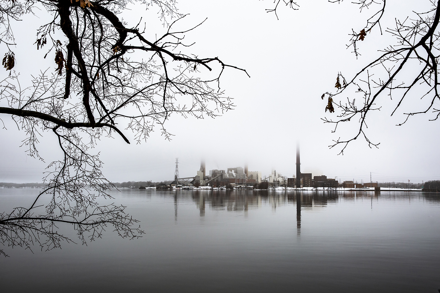 Fog over Lake Springfield obscures CWLP's Dallman 4 power station Thursday, Jan. 17, 2019 in Springfield, Ill. [Rich Saal/The State Journal-Register]