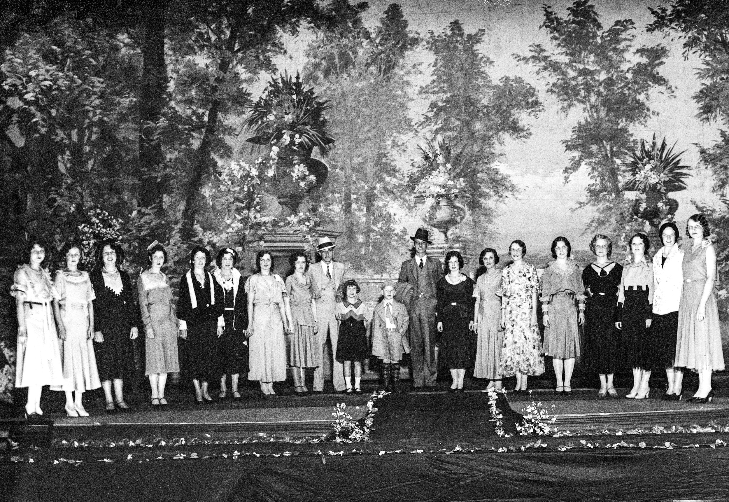 Easter Fashion Revue at Majestic Theater, pub. ISJ 3/20/31, pg 24. Illinois State Journal glass plate negative/Sangamon Valley Collection at Lincoln Library. All Rights Reserved, The State Journal-Register. 