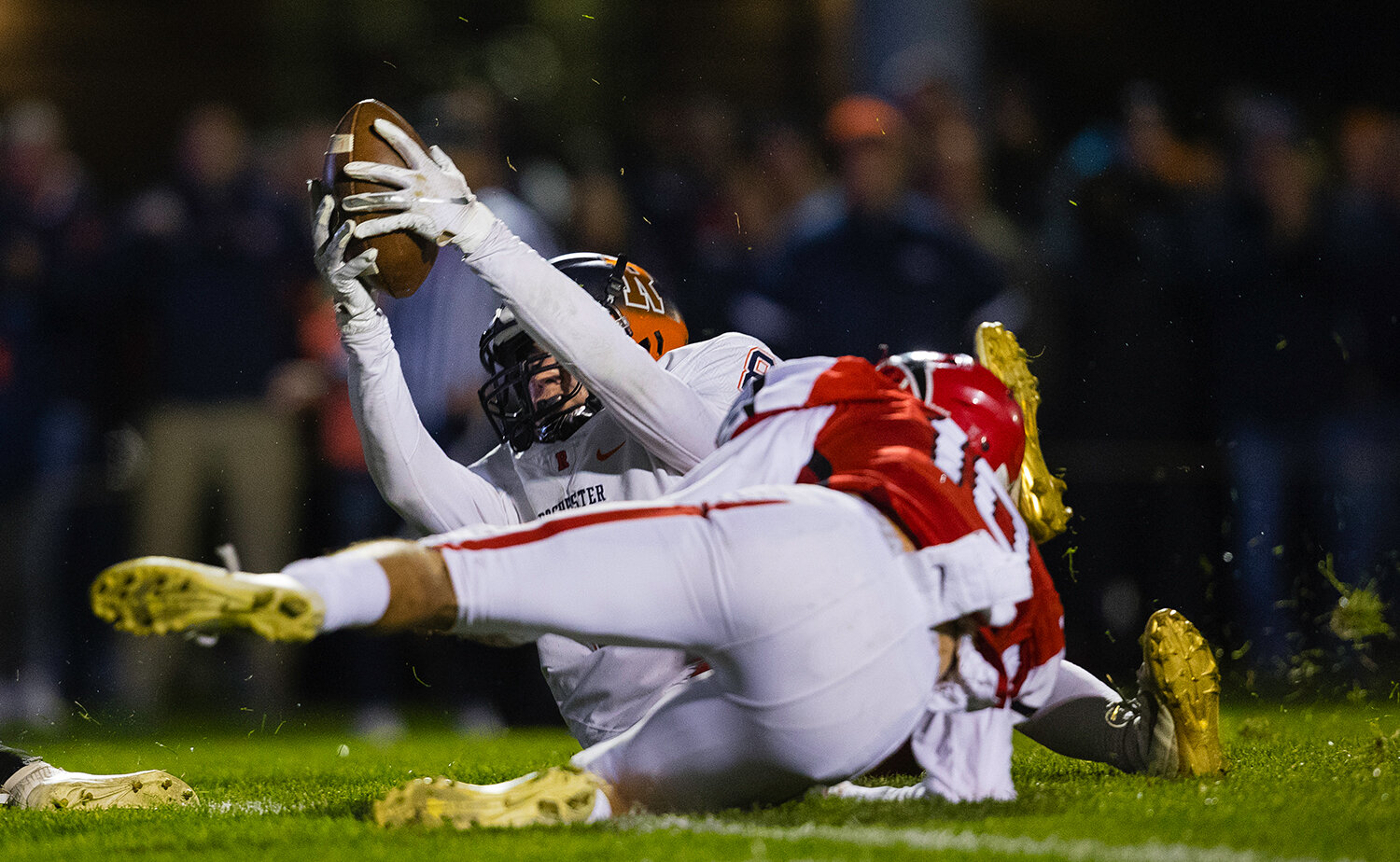 Rochester's Hank Beatty (8)  scores in front of Glenwood's Tyler Estes (10) at Glenwood High School Friday, Oct. 25, 2019. [Ted Schurter/The State Journal-Register]