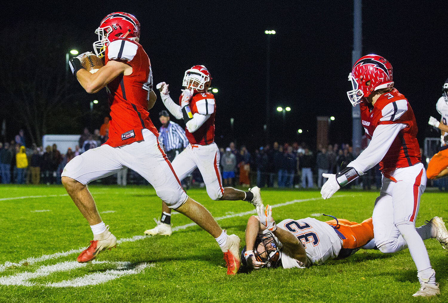 Glenwood's Tyler Burris (44)  clears the last Rochester defender on his way to the endzone at Glenwood High School Friday, Oct. 25, 2019. [Ted Schurter/The State Journal-Register]
