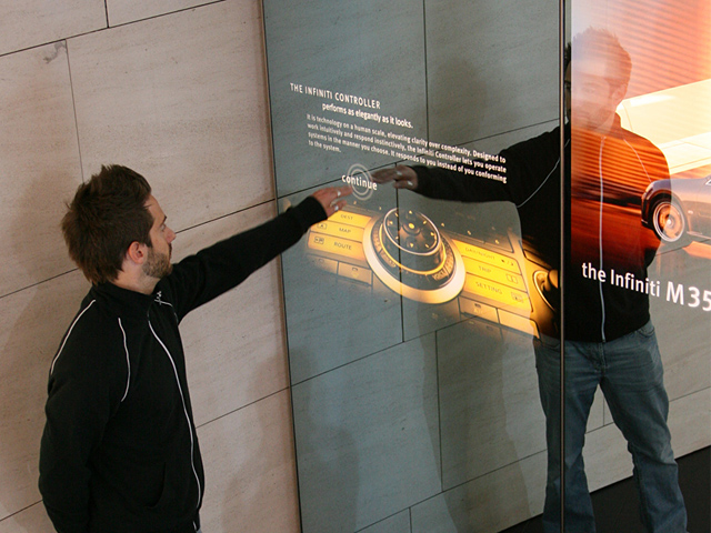 nikolaicornell_infiniti_interactivemirrors_06.jpg